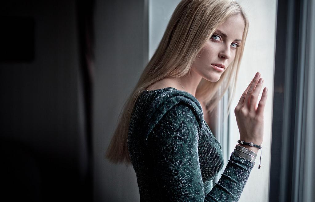 Hintergrundbilder : Gesicht, Modell-, Porträt, blond, Fenster, Augen ...