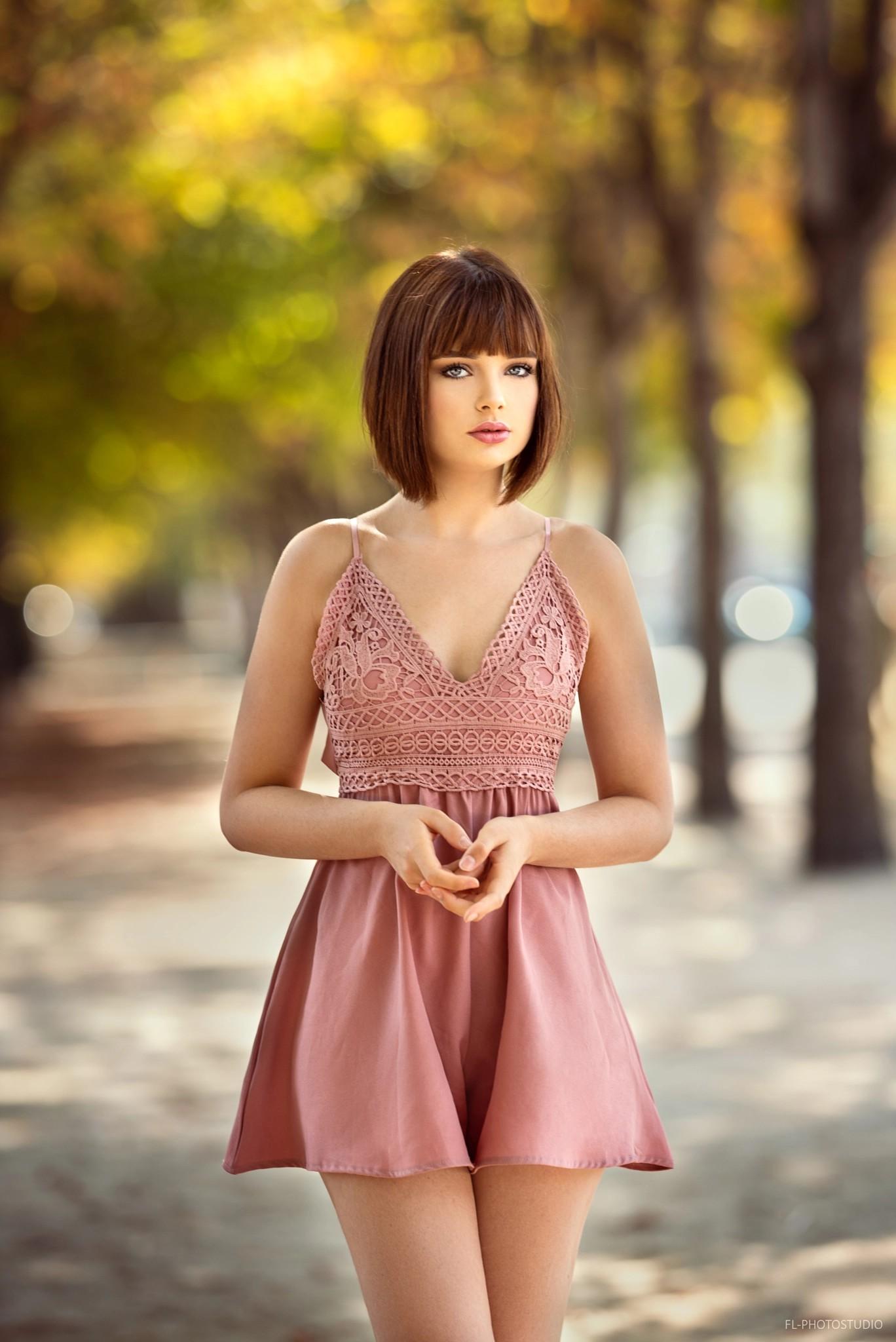 Wallpaper  Marie Grippon, Short Hair, Bare Shoulders, Women Outdoors, Brunette -5517