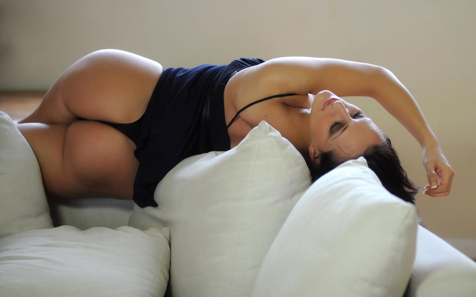 Возбуждающе шикарные тела женщин на фото — 11