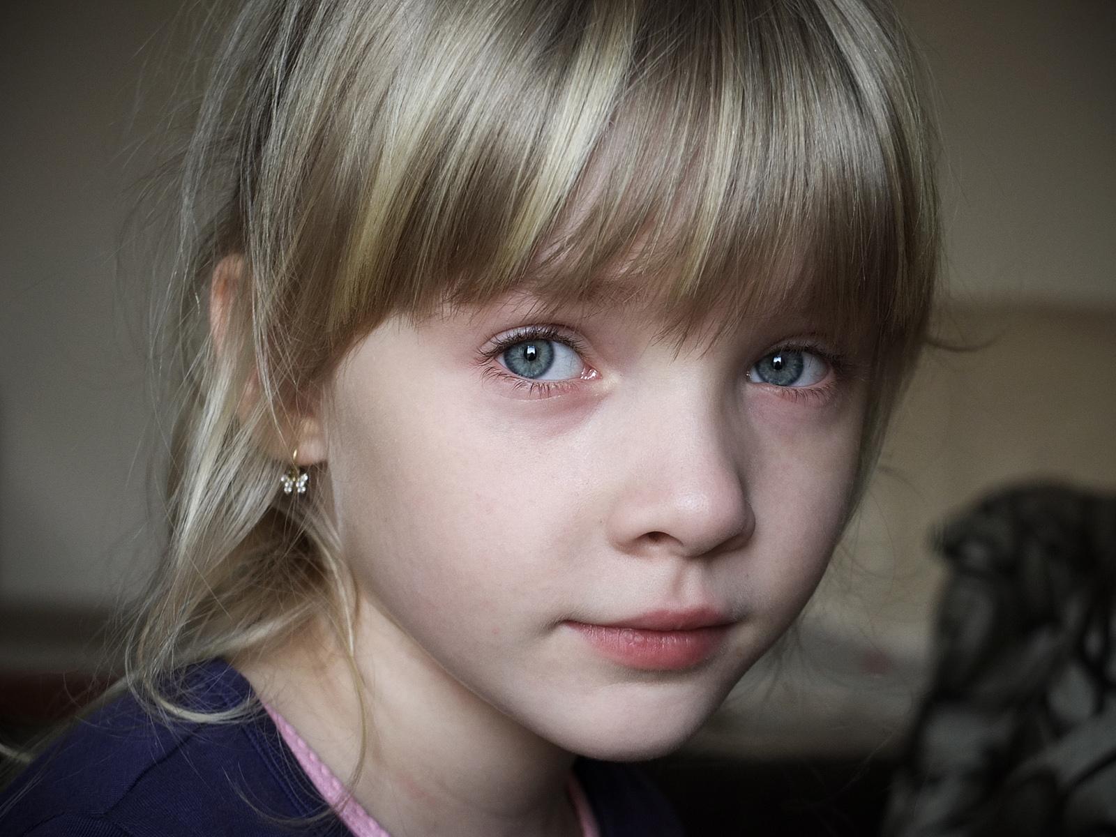 Hintergrundbilder Gesicht Portrat Lange Haare Kinder Pony