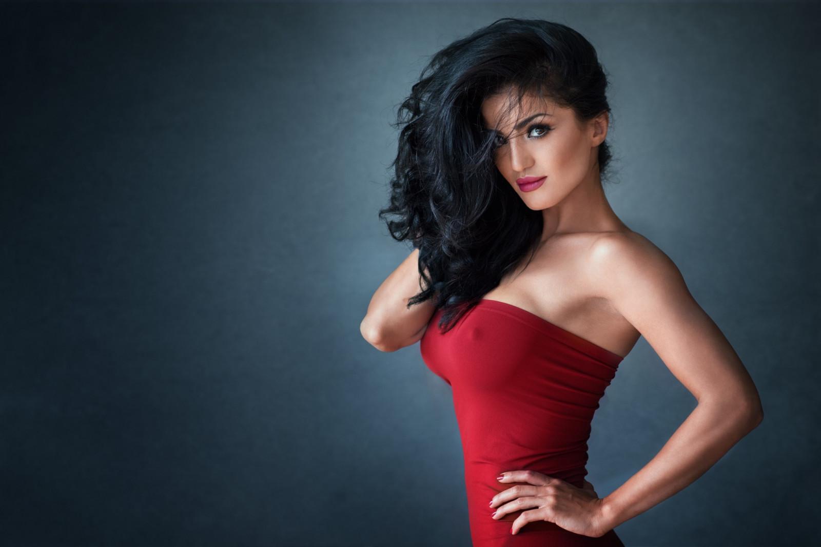 wwe kaitlyn red dress