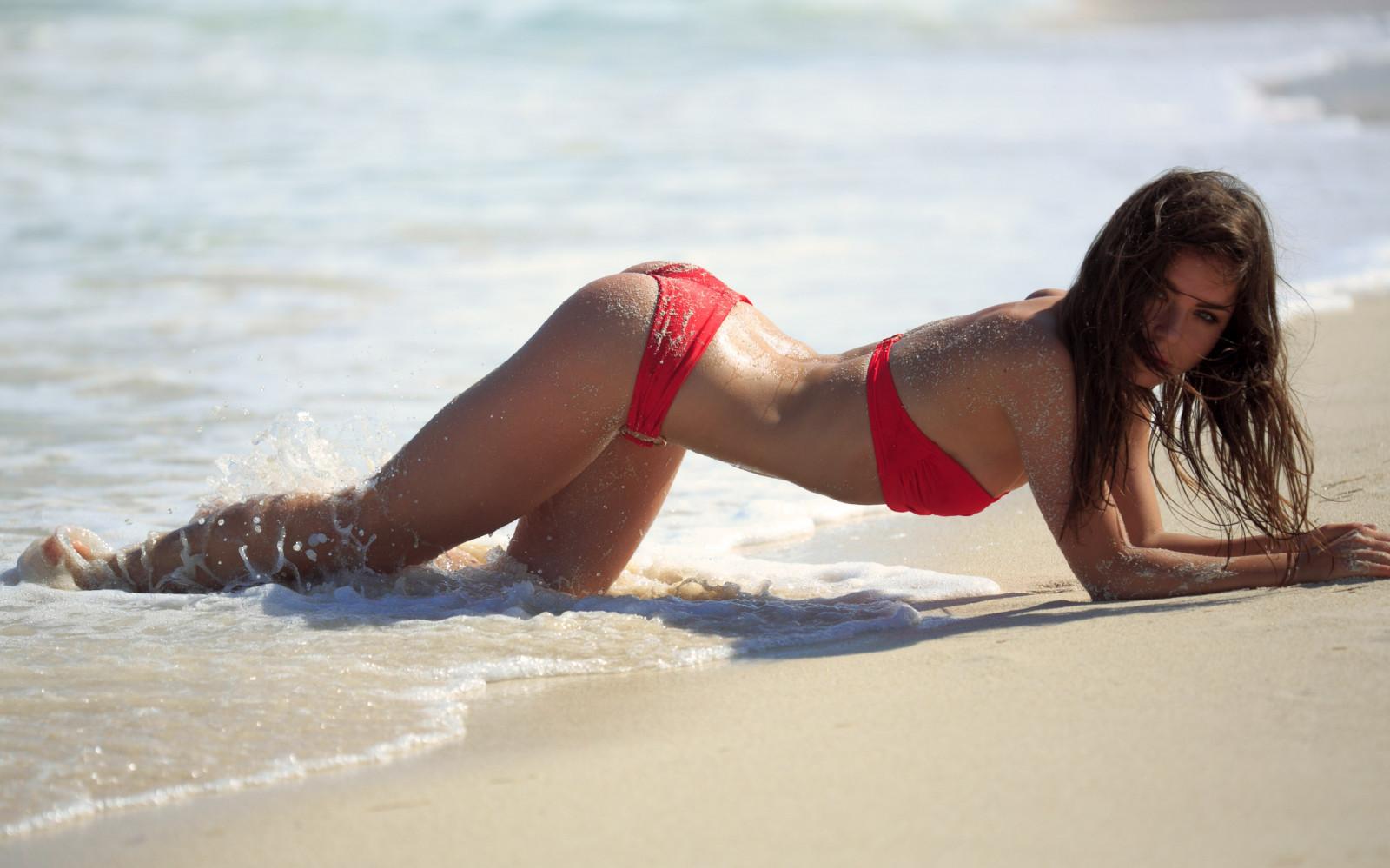 Мокрые девушки на пляже фильм, фотошоп онлайн писек