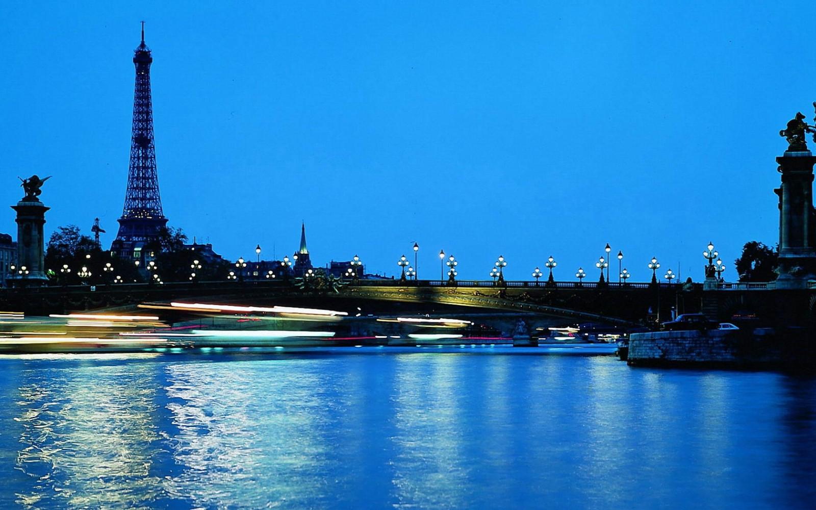 Fond d'écran : Paris, France, tour Eiffel, pont, eau, ciel bleu, soir, lumières, Ville de nuit ...