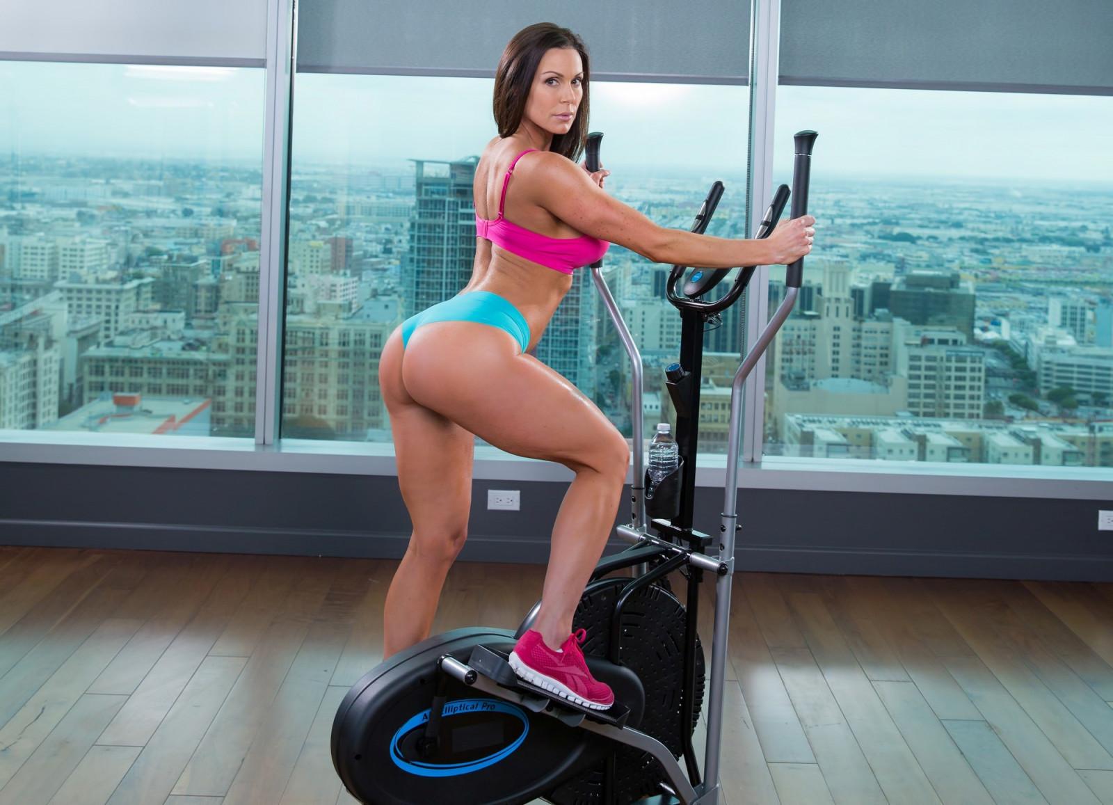 Fitness pornstar babe — img 8