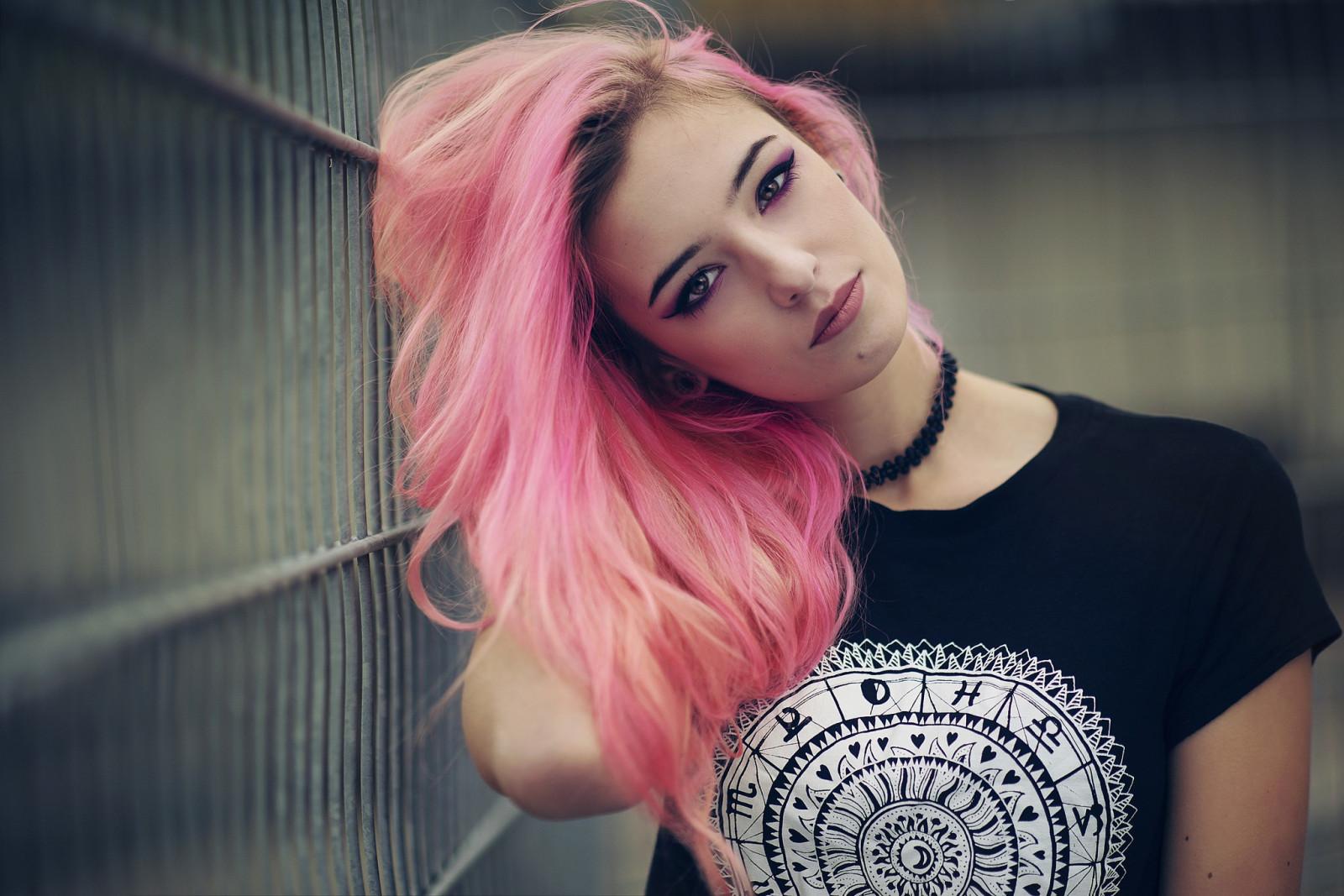 Картинки розовые волосы, открытки днем