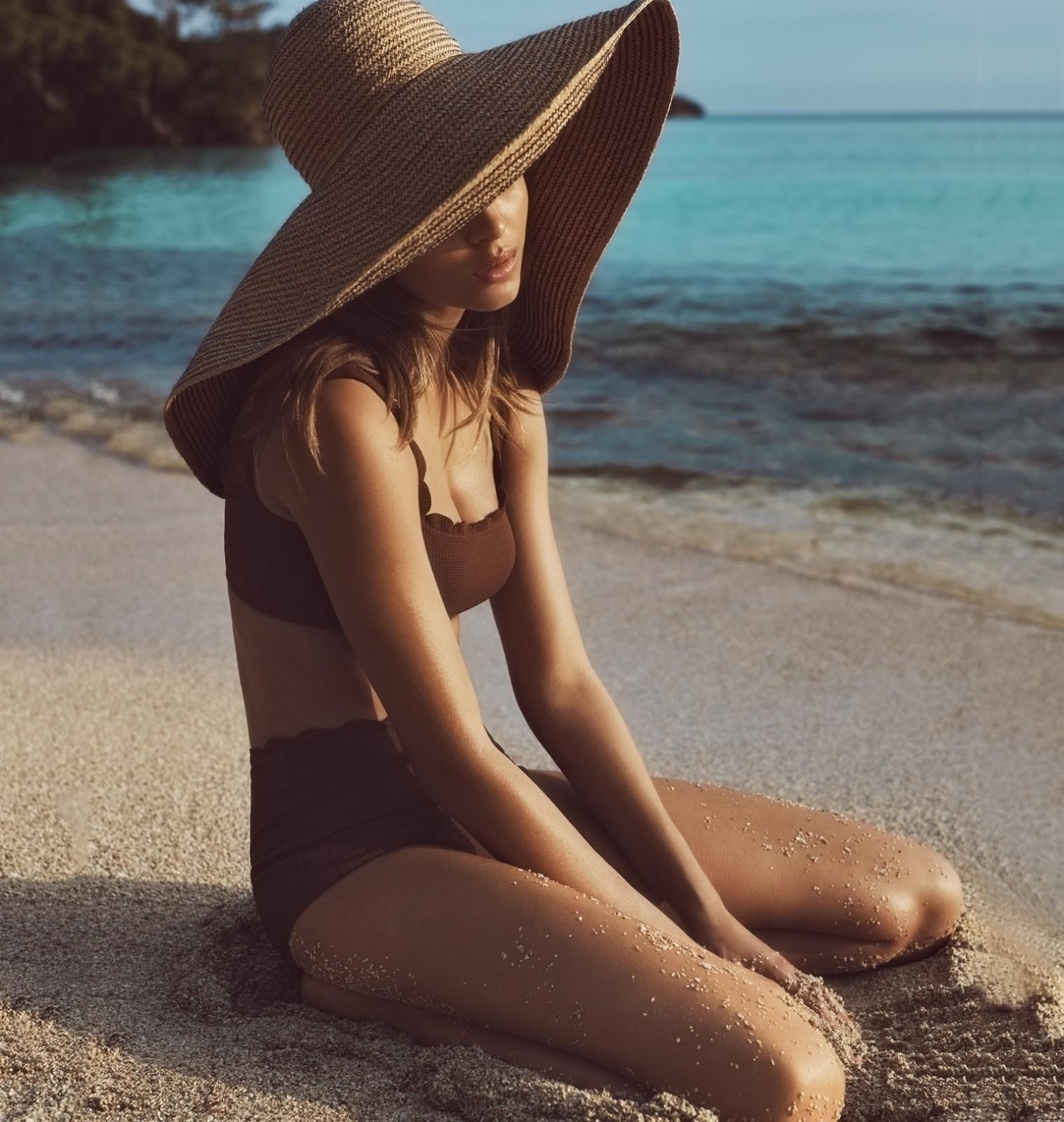 идеи для фото со шляпой море место будет