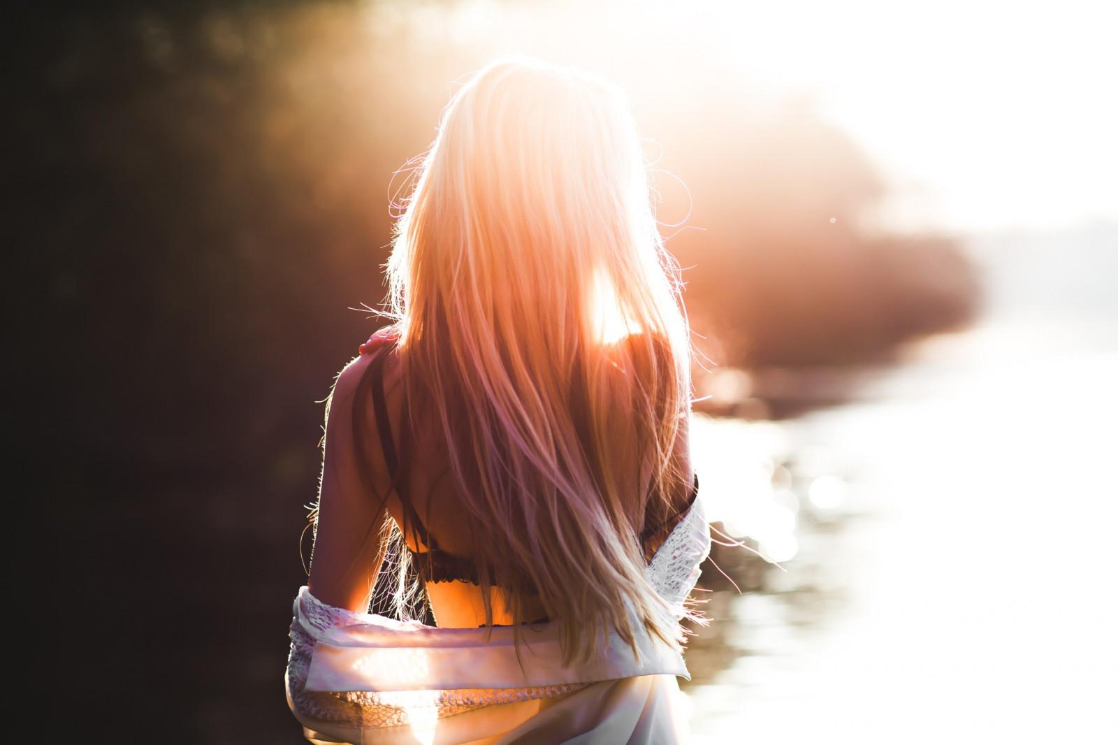 Фото красивых девушек в лучах солнца, Девушка в лучах солнца Girl in the sun Похожие фото 9 фотография