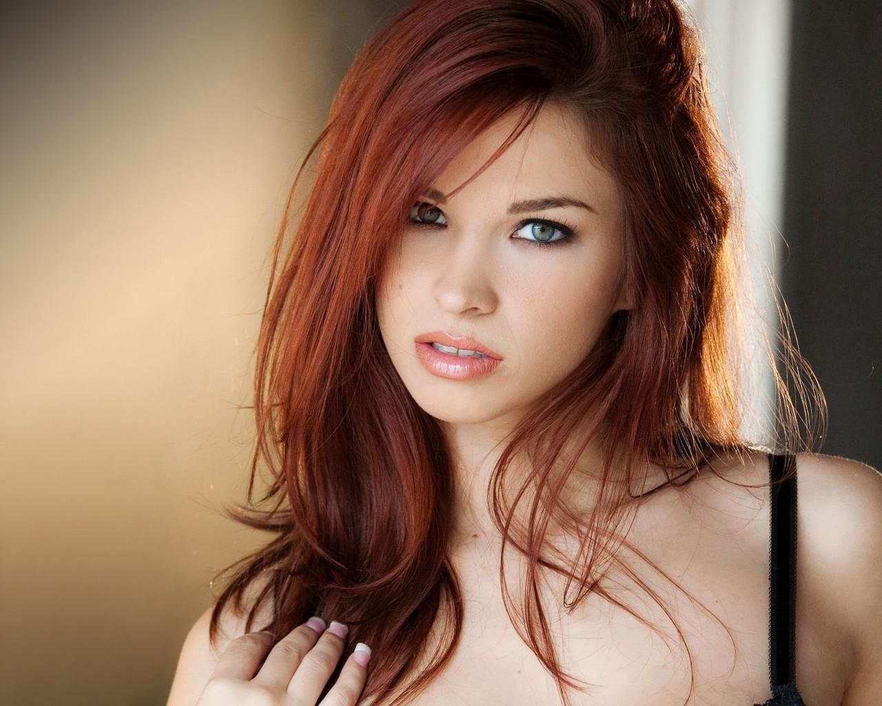 парню даже самые сексуальные девушки это рыжеволосые и зеленоглазые сожалению, название видеоматериала