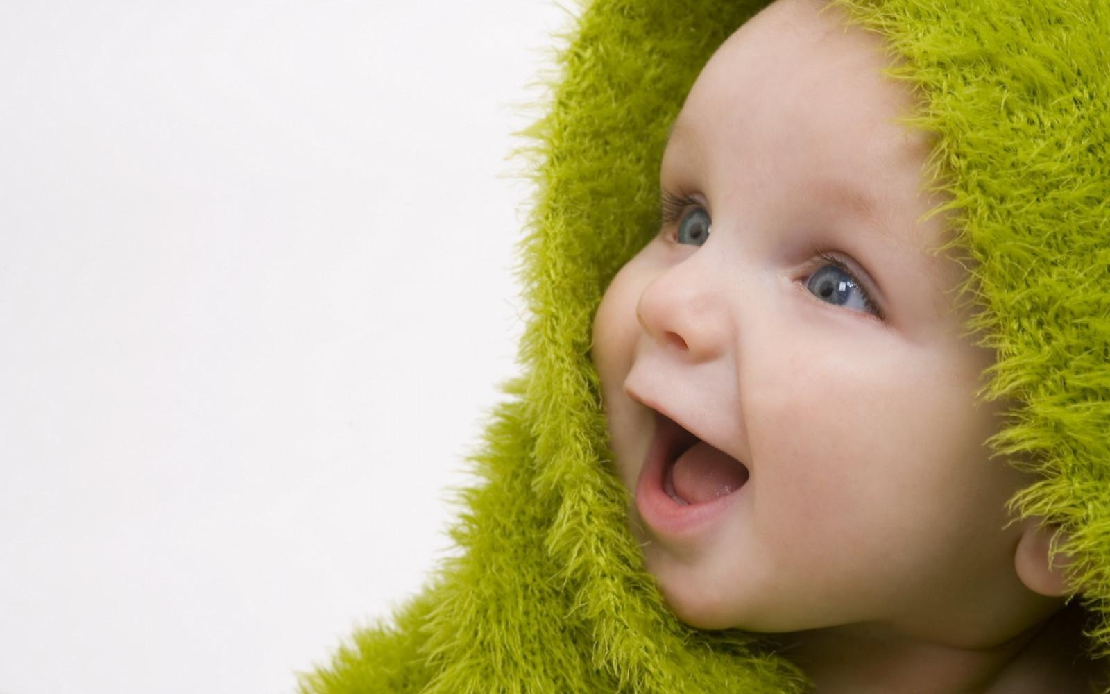 Foto bambini con gli occhi azzurri 50