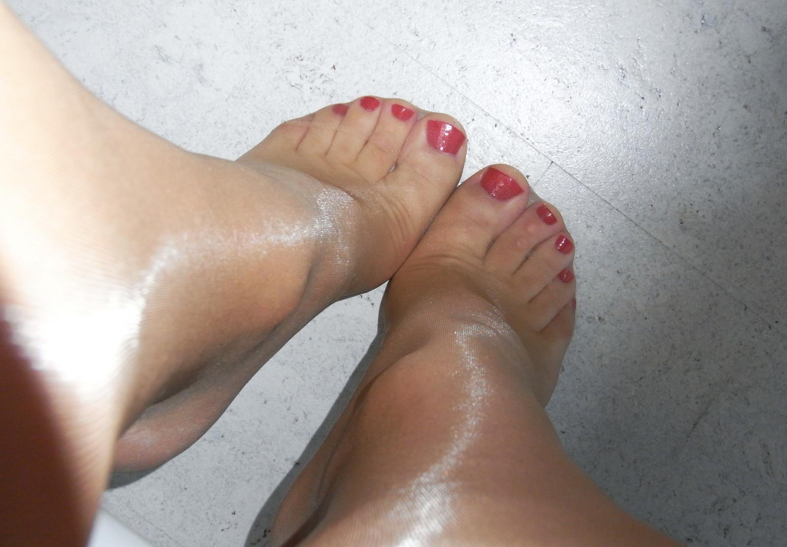 видео потные женские ноги шахматах