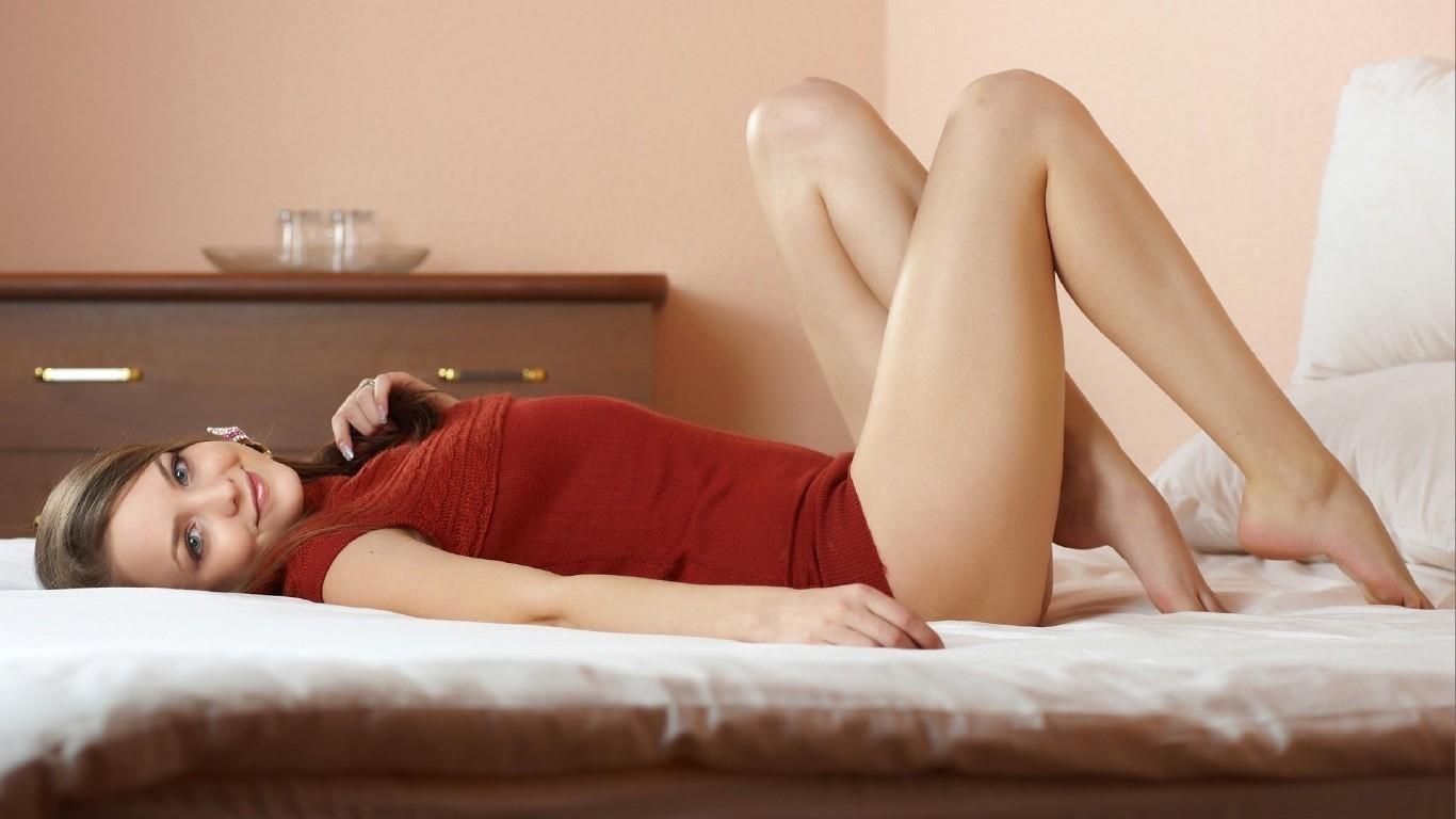 его девушки ножки в постели мощный оргазм
