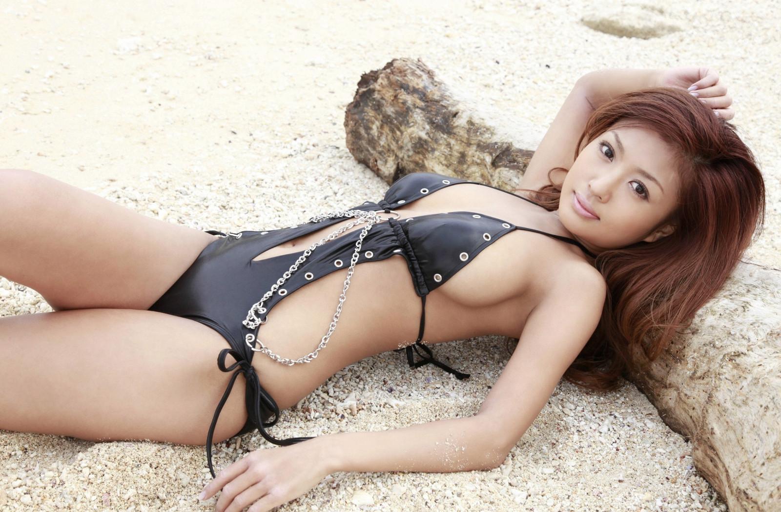 pravilno-yaponki-v-bikini-video-foto