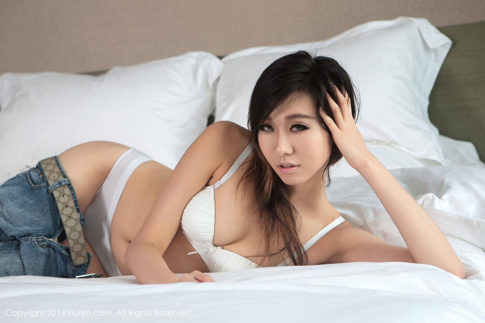Ебля секс китаянки в постели горячие бисексуалы