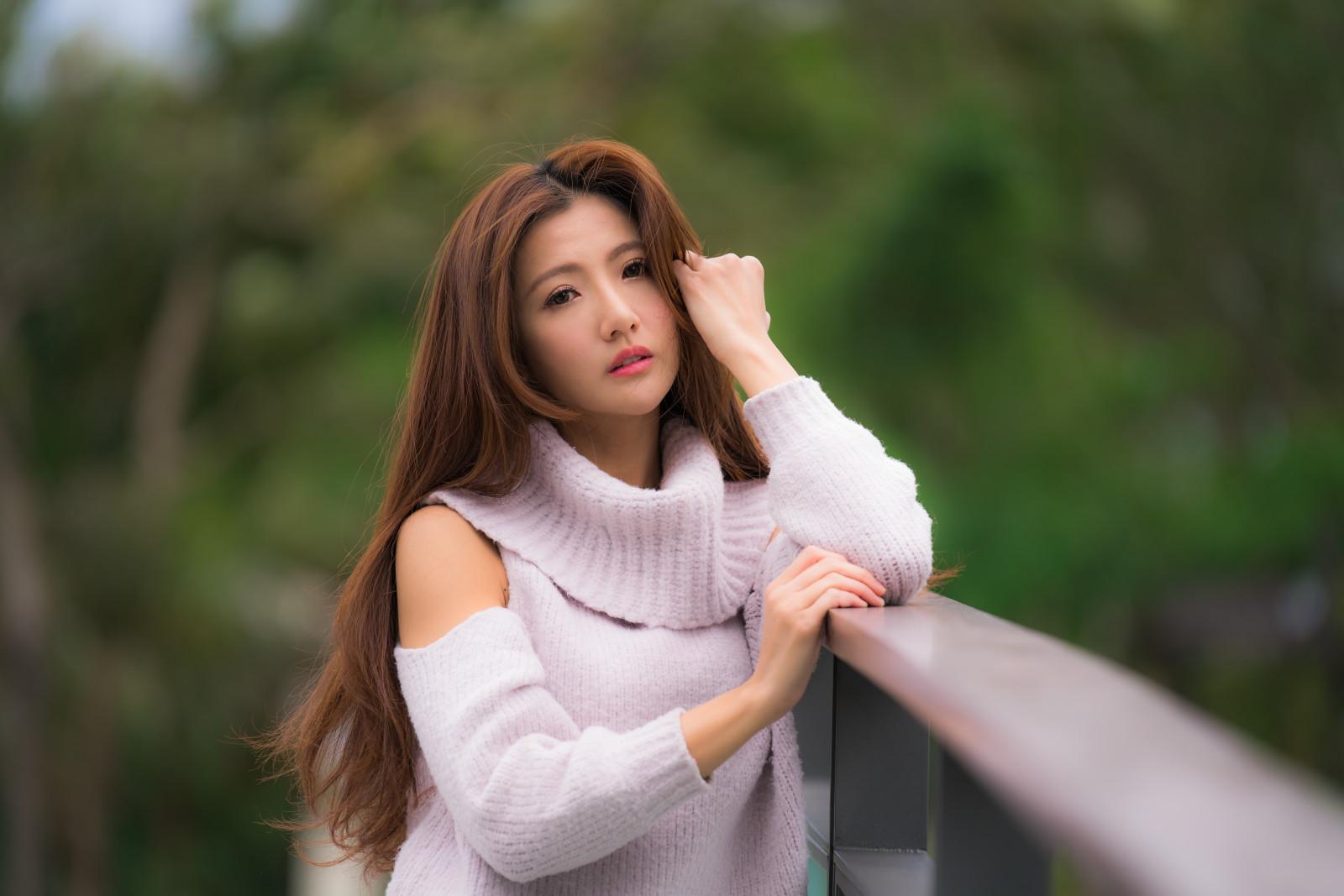 смотреть картинки красивых девушек азиаток красивыми сиськами
