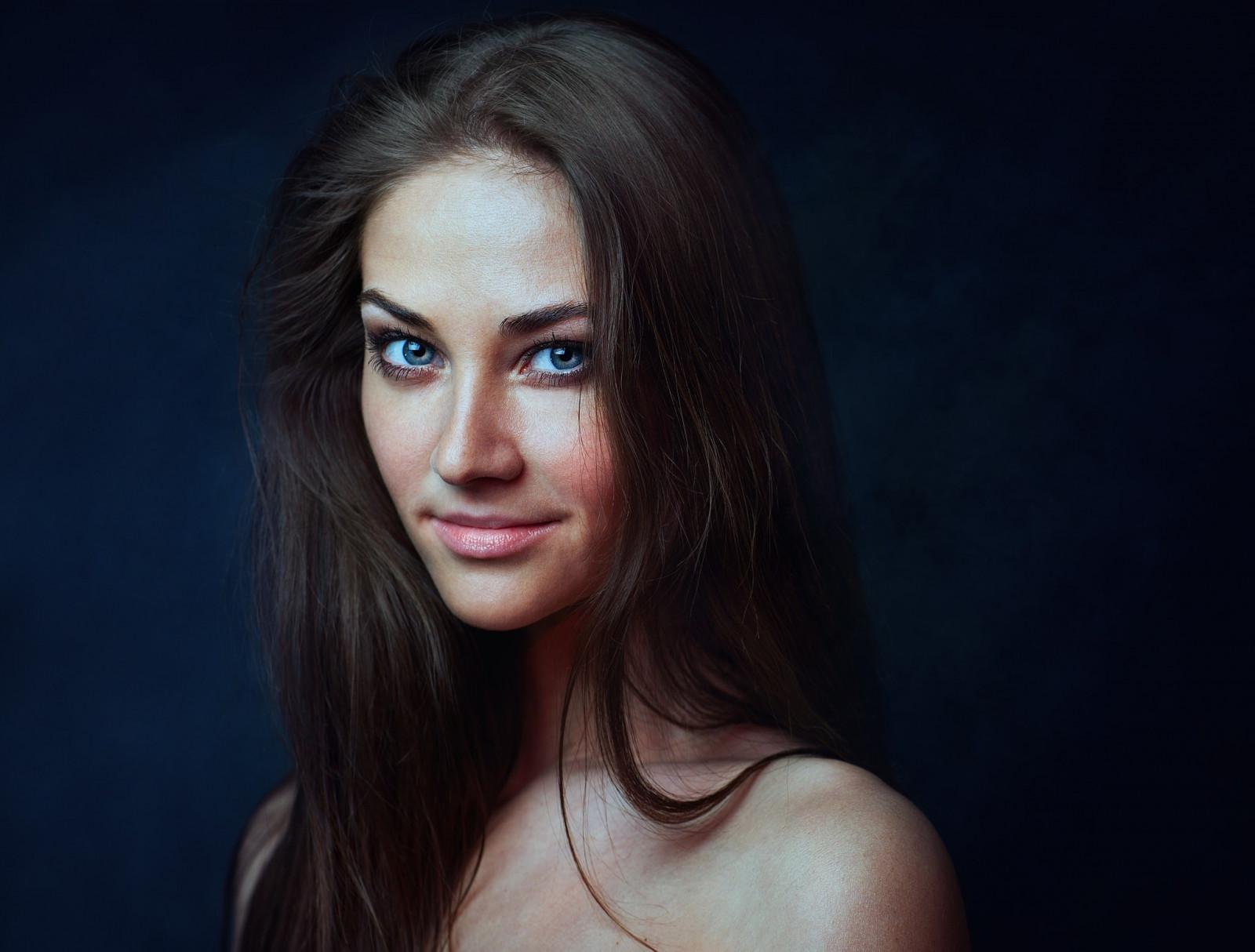 Wallpaper Face Women Model Long Hair Blue Eyes: Wallpaper : Face, Women, Simple Background, Long Hair
