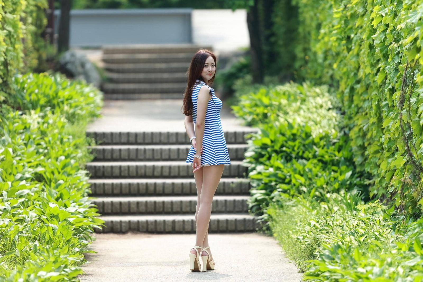 Outdoor girl asian 1