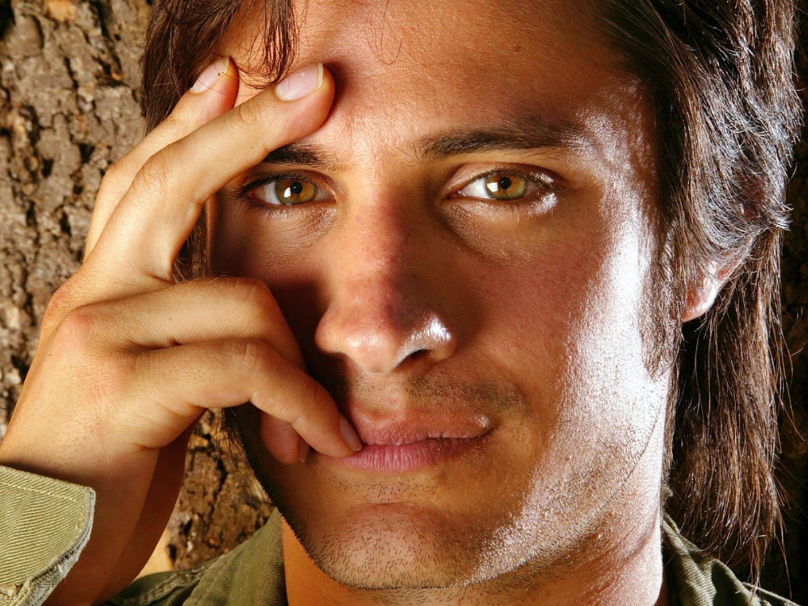 полярным картинки мужчина с зелеными глазами прежде