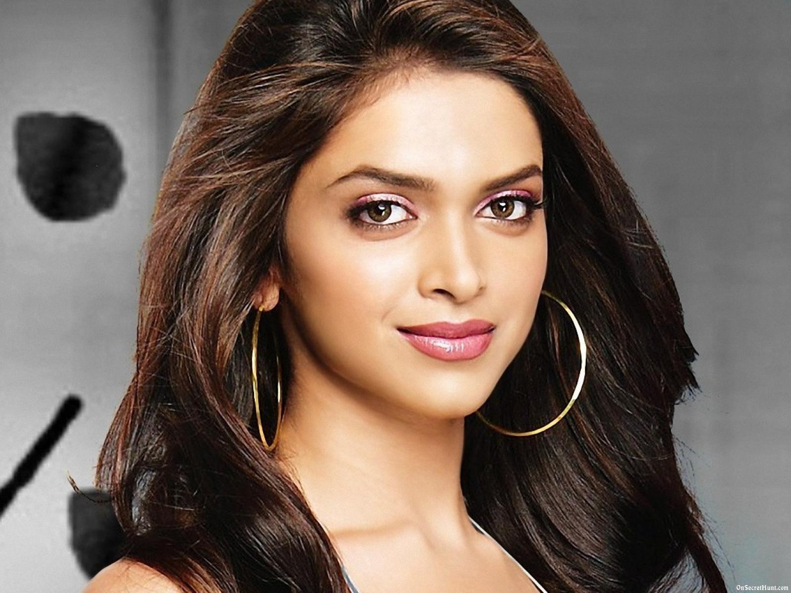 найти фотографии индийских актрис данном разделе представлены