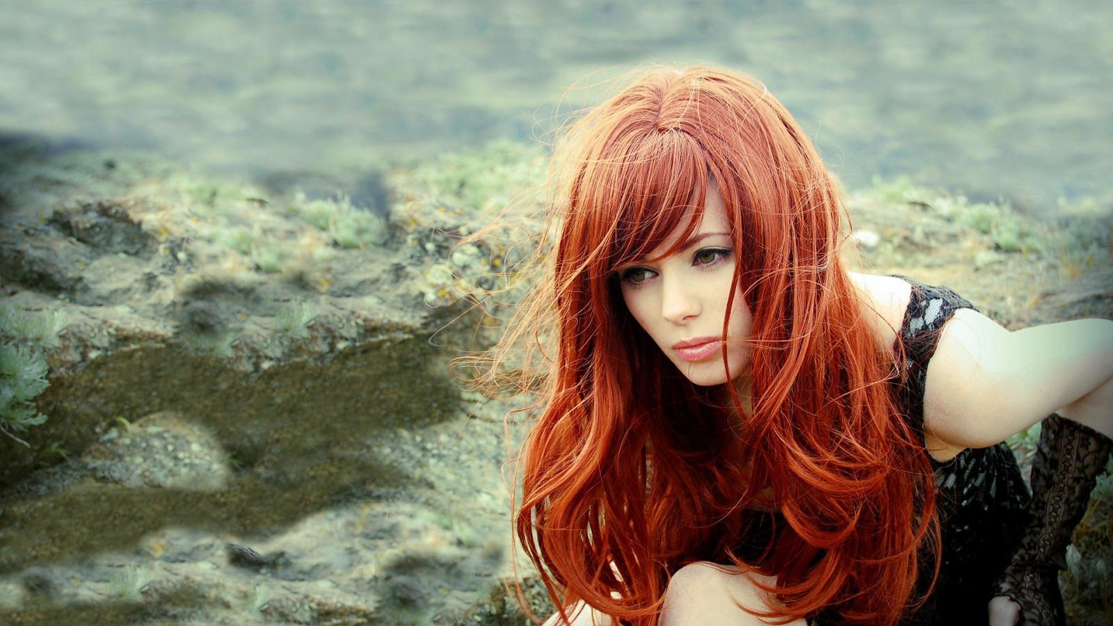 Фото девушек с рыжими волосами и цветами
