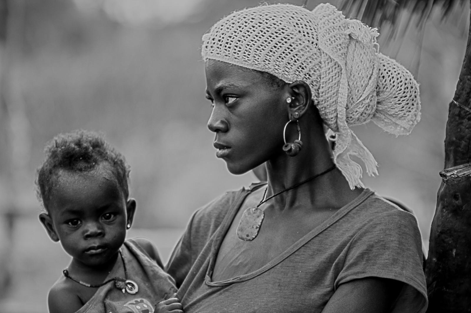 Fond d 39 cran portrait femme blanc noir monochrome for Fond ecran portrait