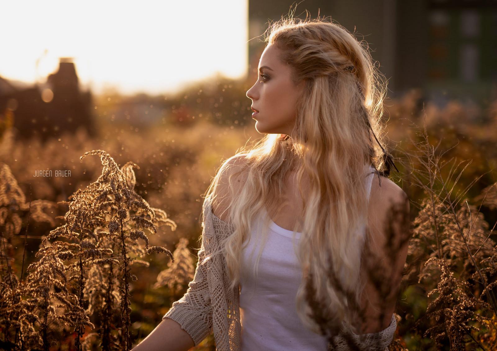 Картинки девушки блондинки без лица