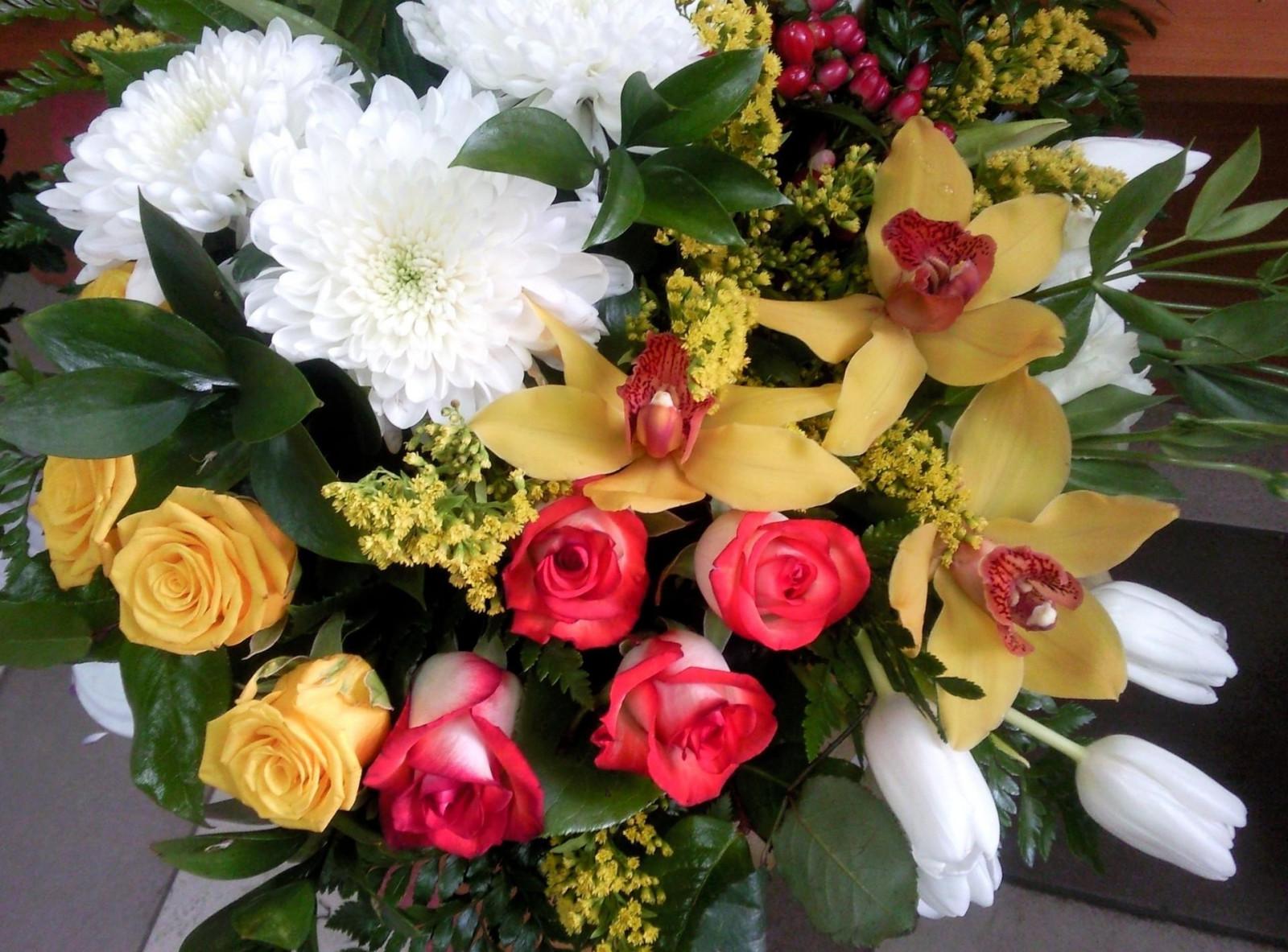 фасада тюльпаны розы орхидеи фото макияжи, которые покидают