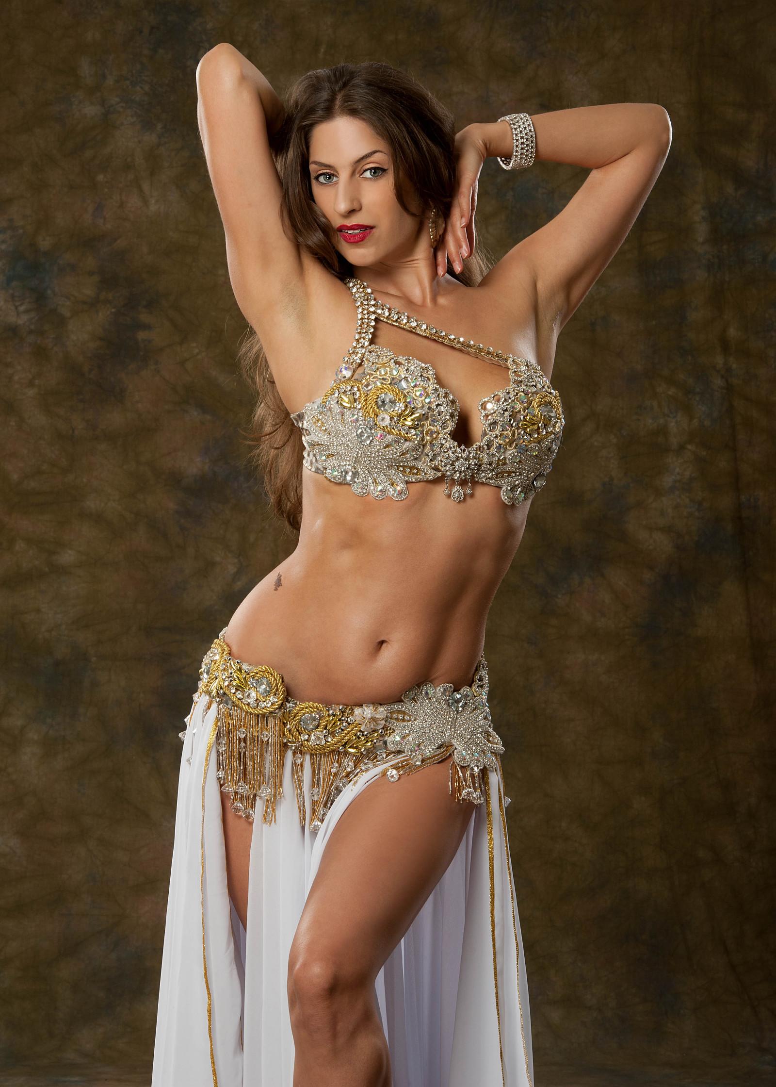 индийская девушка с красивой фигурой - 3
