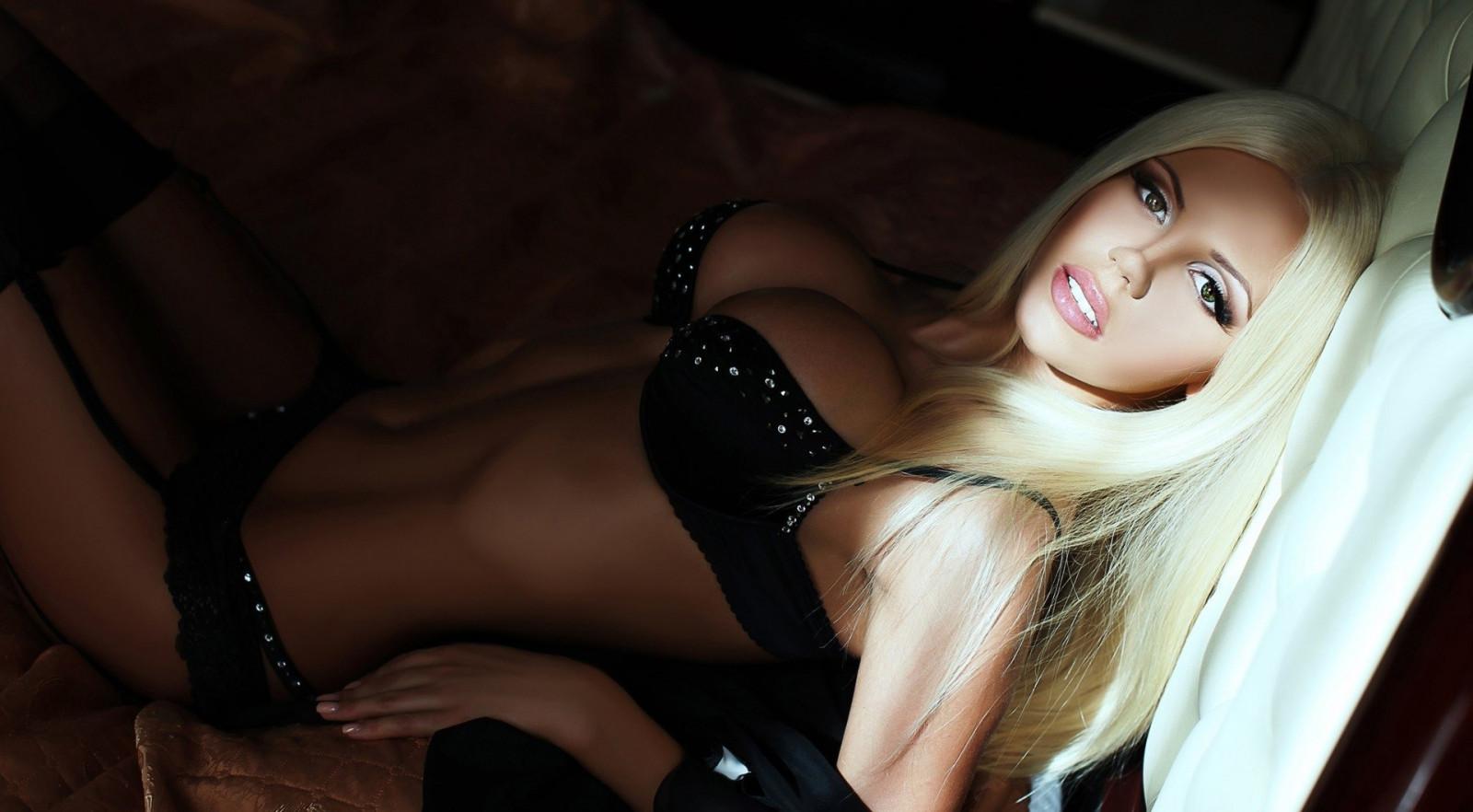 porno-toshie-blondinki