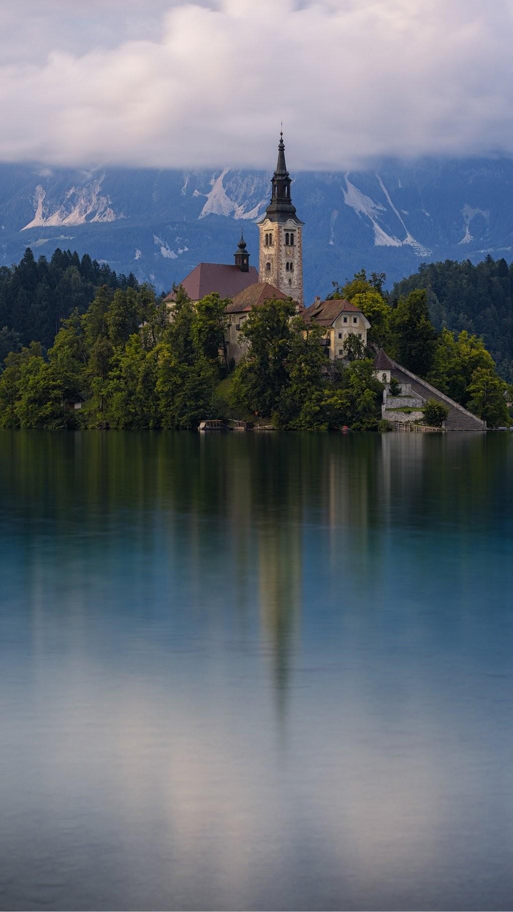 Beautiful Wallpaper Mountain Portrait - architecture_building_portrait_display_church_Slovenia_mountains_mist_lake-40232  You Should Have_591329.jpg!d