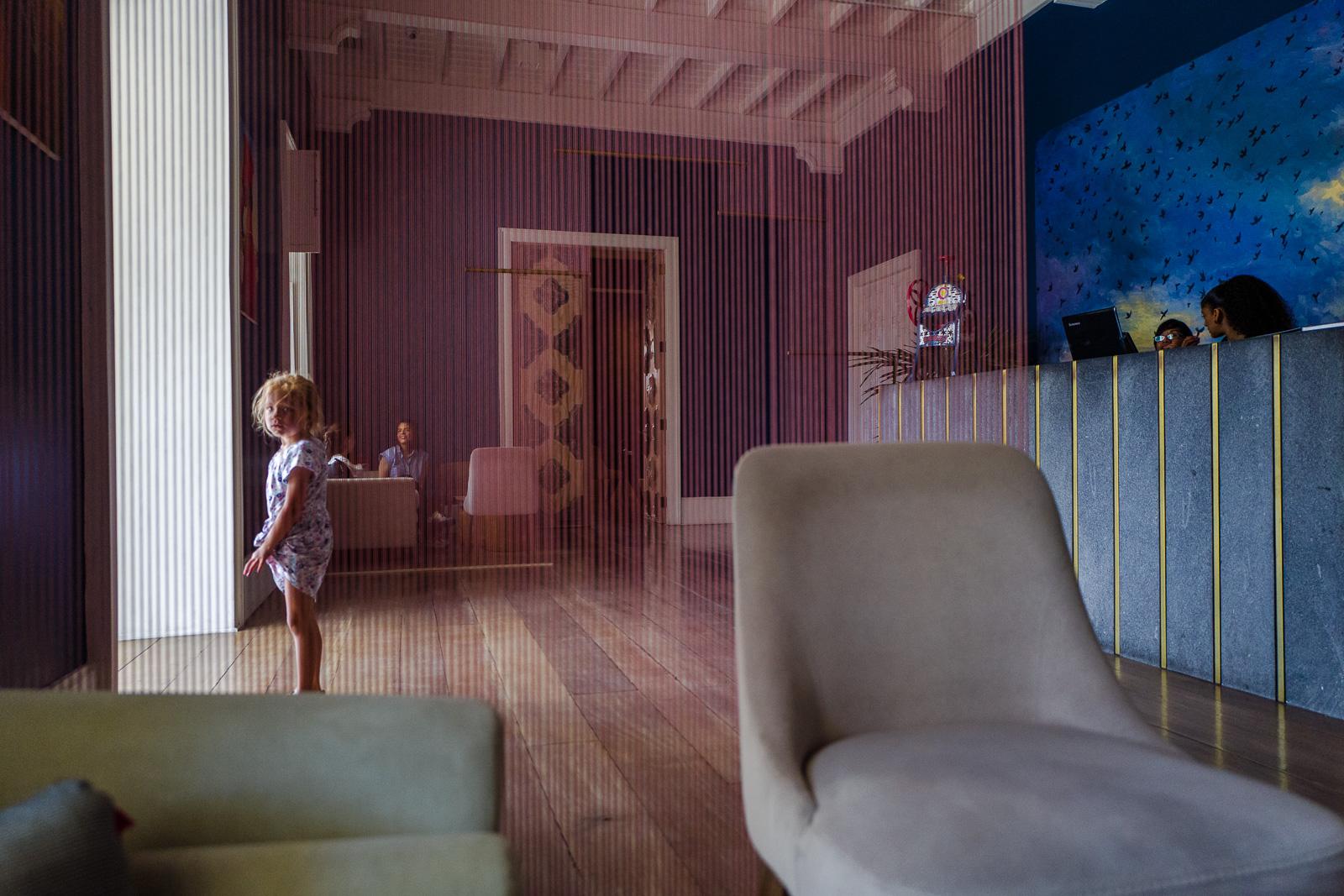 Baggrunde : vindue, arkitektur, børn, værelse, væg, tabel, hus, stol ...