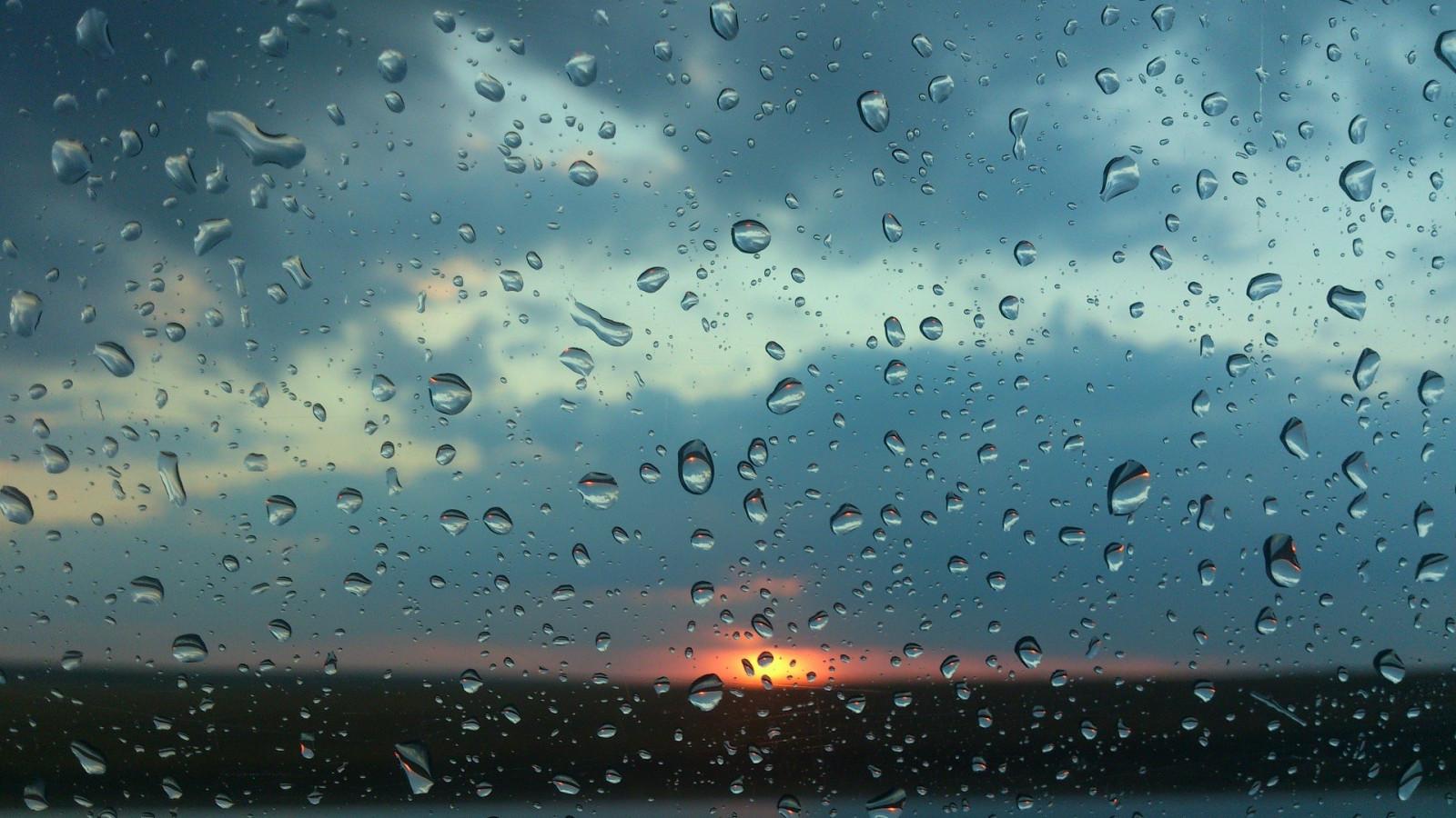 Открытка днем, картинка дождя на стекле