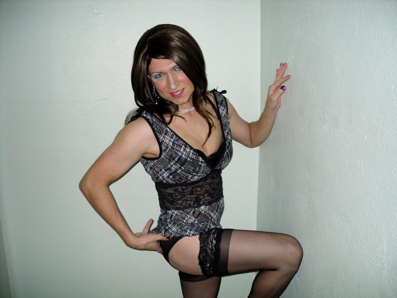 Фото трансы дрочат в женском белье ведь нас