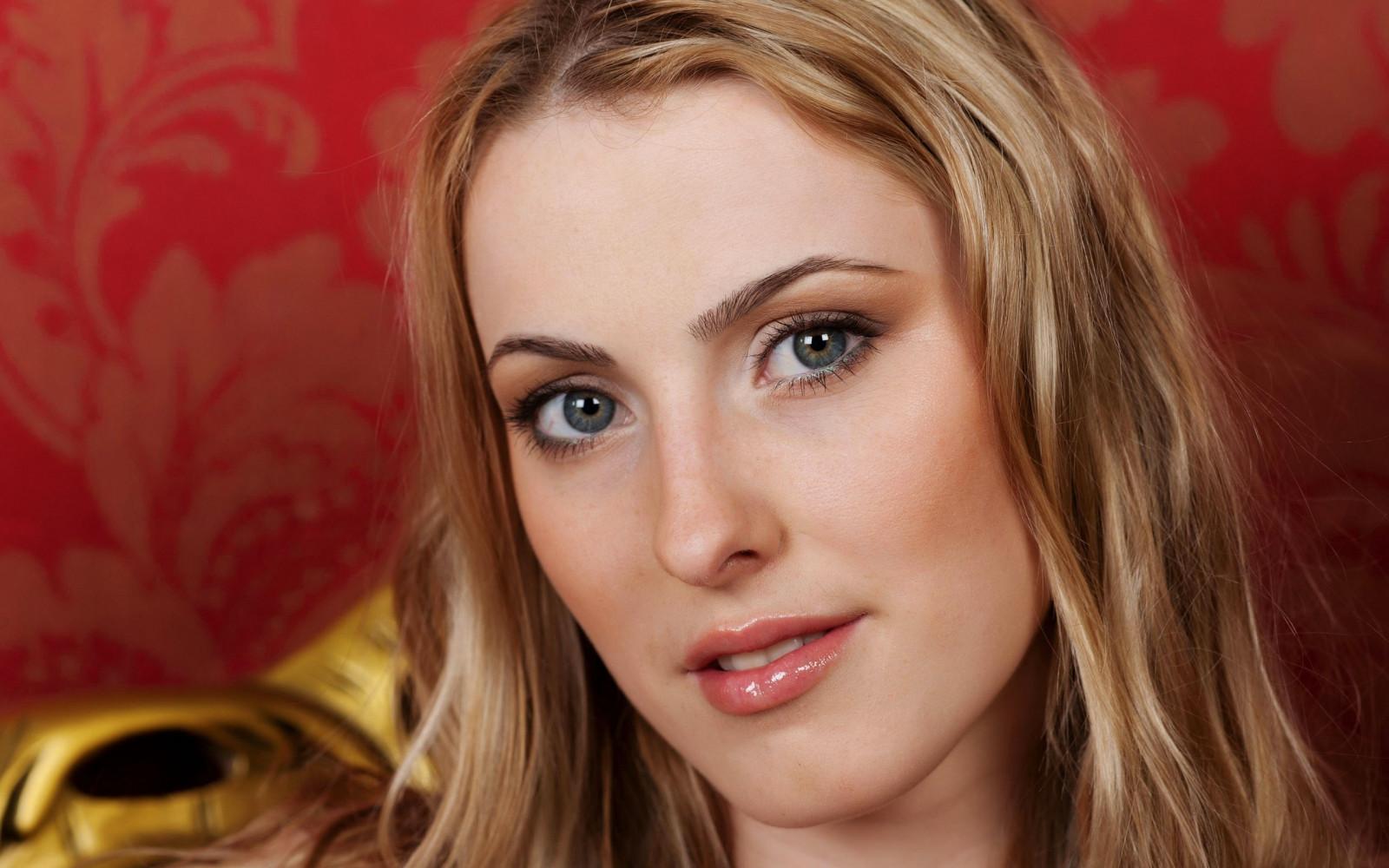 Hintergrundbilder : blond, Mädchen, blaue Augen 2560x1600