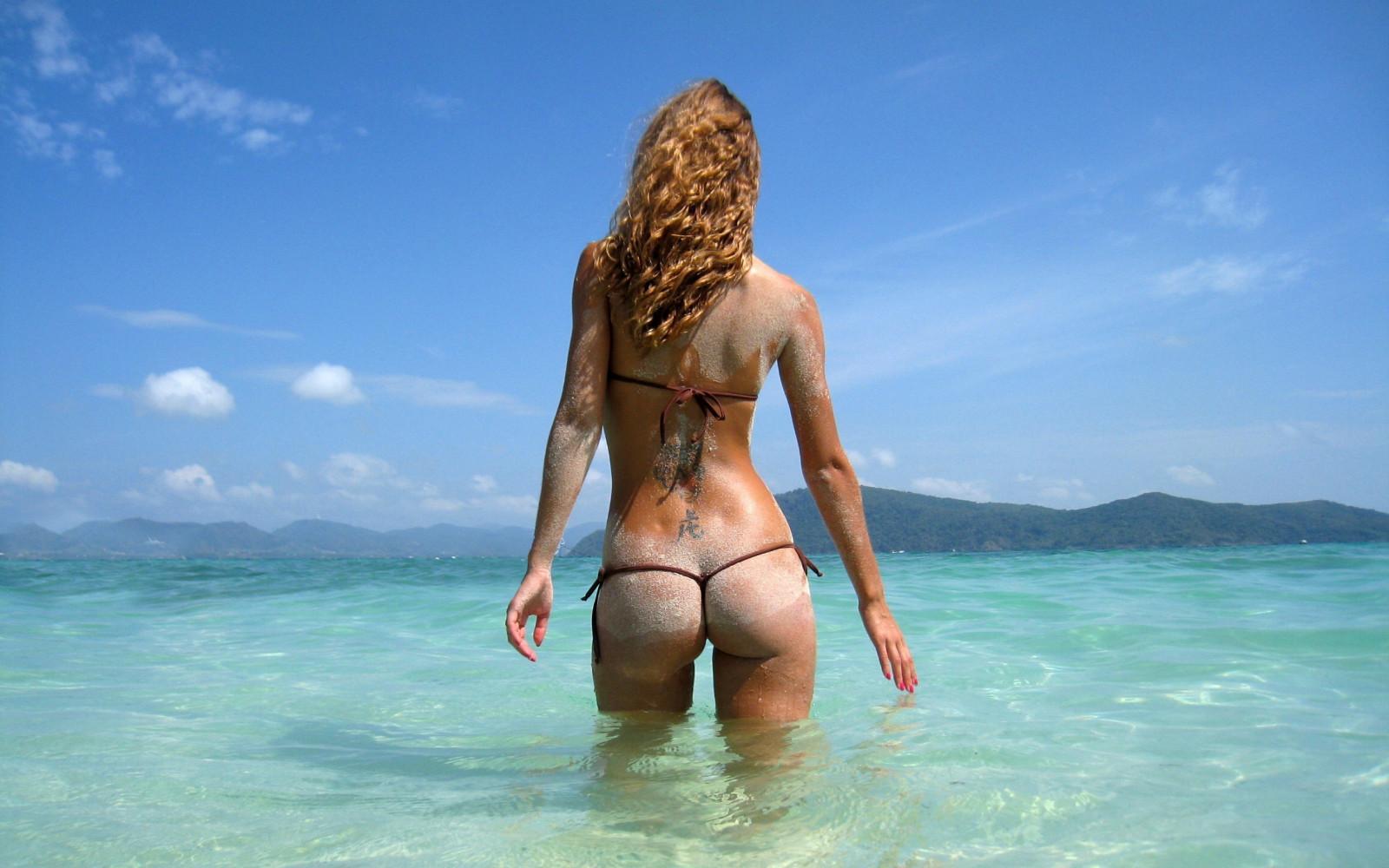 картинки девушек в стрингах на море ужасно из-за