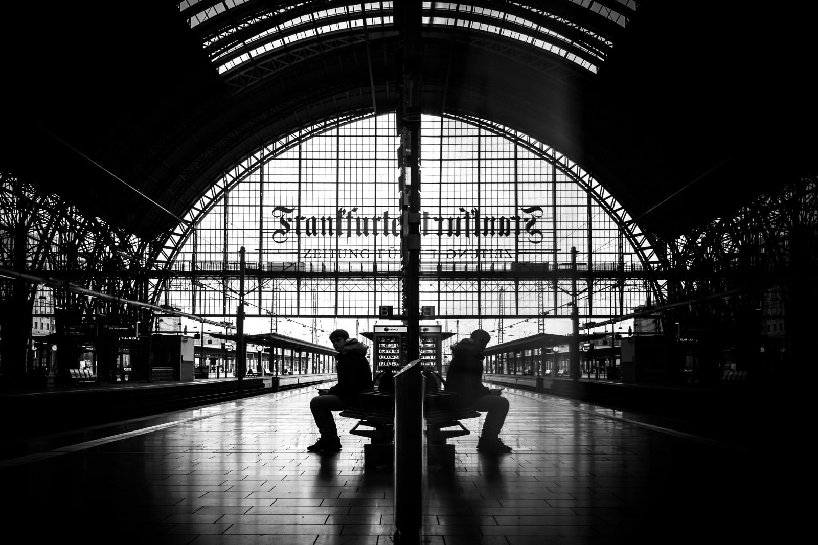 Hintergrundbilder menschen schwarz einfarbig portr t stadt stra e stadtbild nacht die - Beste architektur uni europa ...