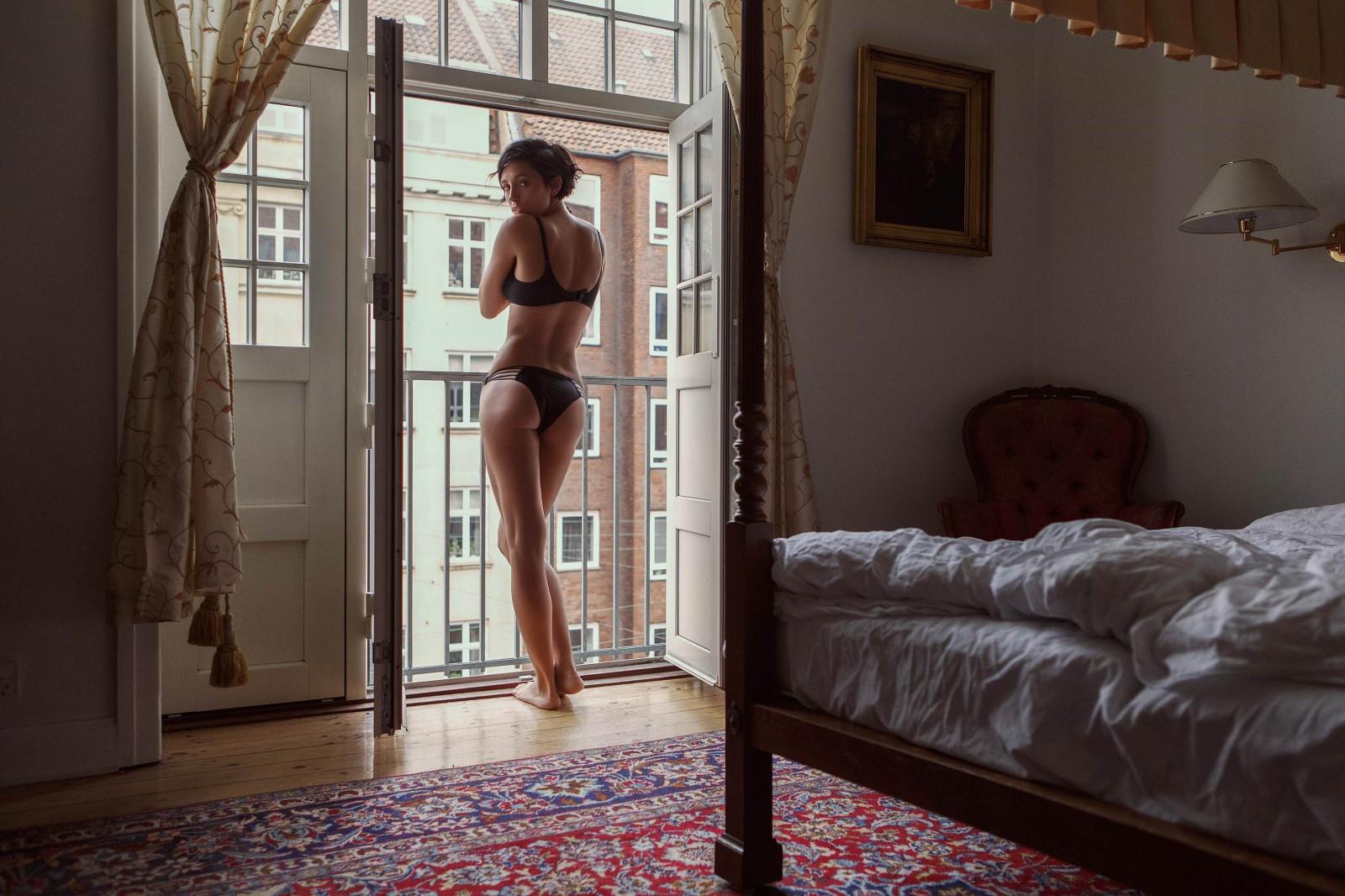 Wallpaper : women, model, short hair, ass, bed, house, bra ...