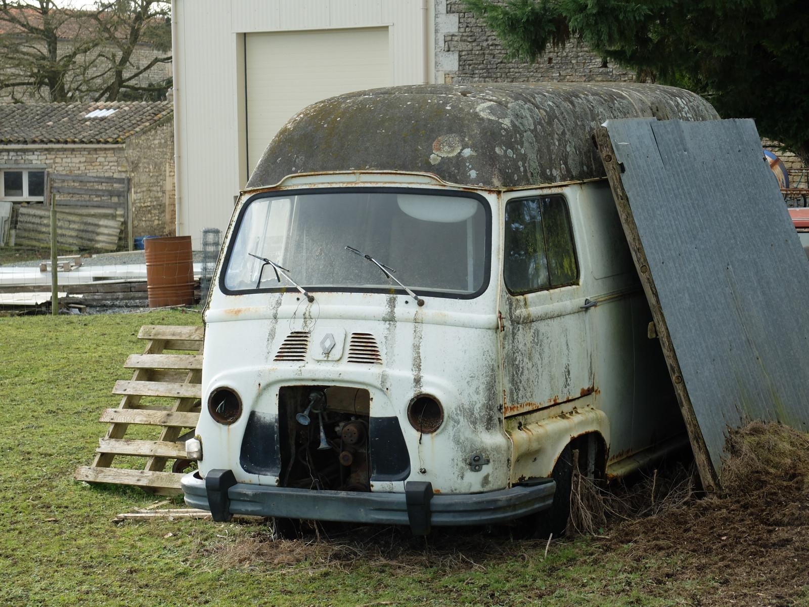 fond d 39 cran blanc vieux camions cru fran ais voiture ancienne renault voiture. Black Bedroom Furniture Sets. Home Design Ideas