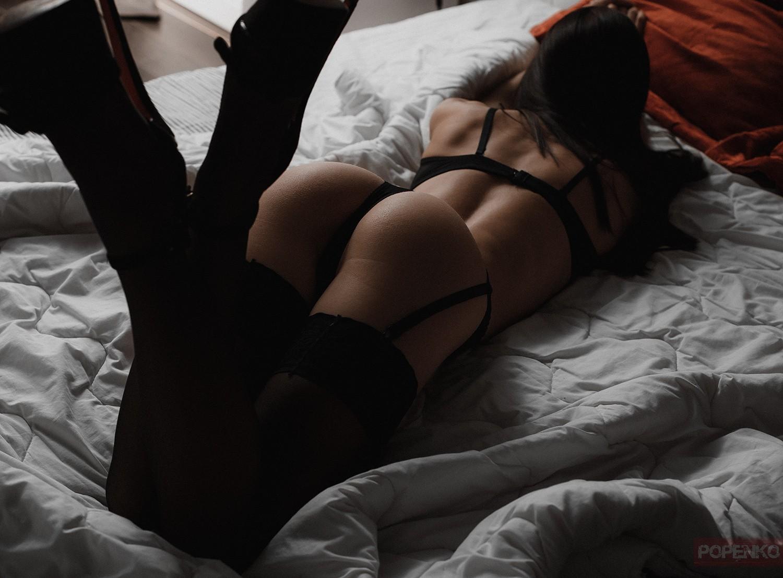 Фото жопа в постели, видео эротика взрослых женщин онлайн