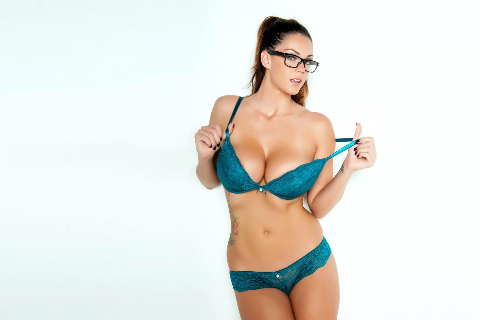 pornoaktrisa-elison