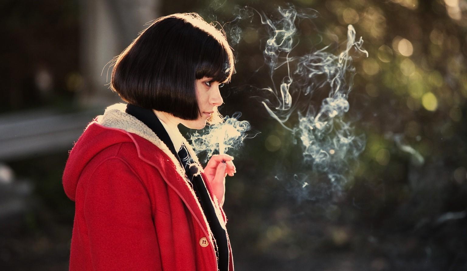 https://c.wallhere.com/photos/cb/99/1536x892_px_Cigars_Jordana_Bevan_smoking_Submarine_movie_women_Yasmin_Paige-1011667.jpg!d