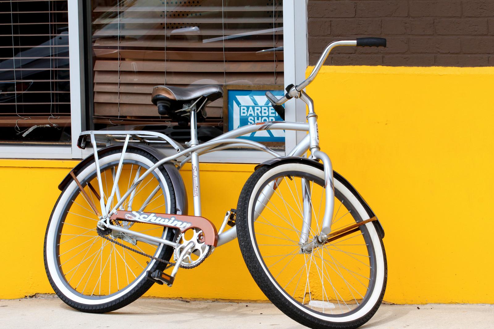 Hintergrundbilder : Fenster, Fahrrad, rot, Fahrzeug, Mauer, Gelb ...
