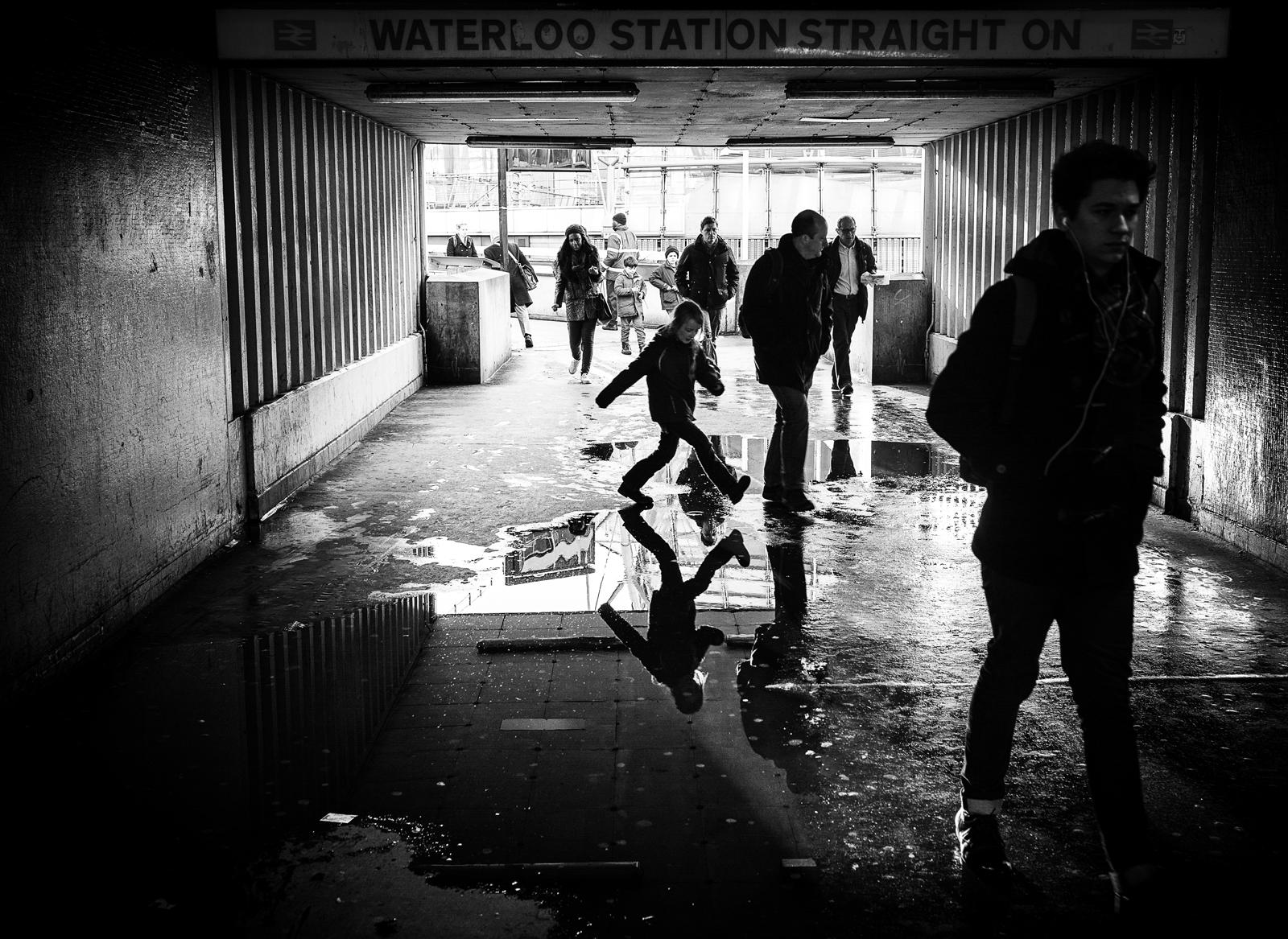 Wallpaper Street Leica City White Black London Girl Station Puddle Photography Jump Jumping Waterloo Monochrom Reallife Michaeltoye Michaelwalkertoye 1600x1167 945311 Hd Wallpapers Wallhere