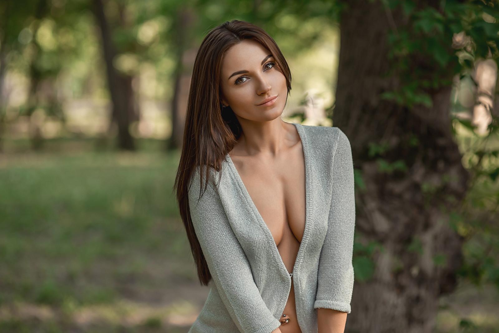 Самые красивая грудь под блузкой фото 9