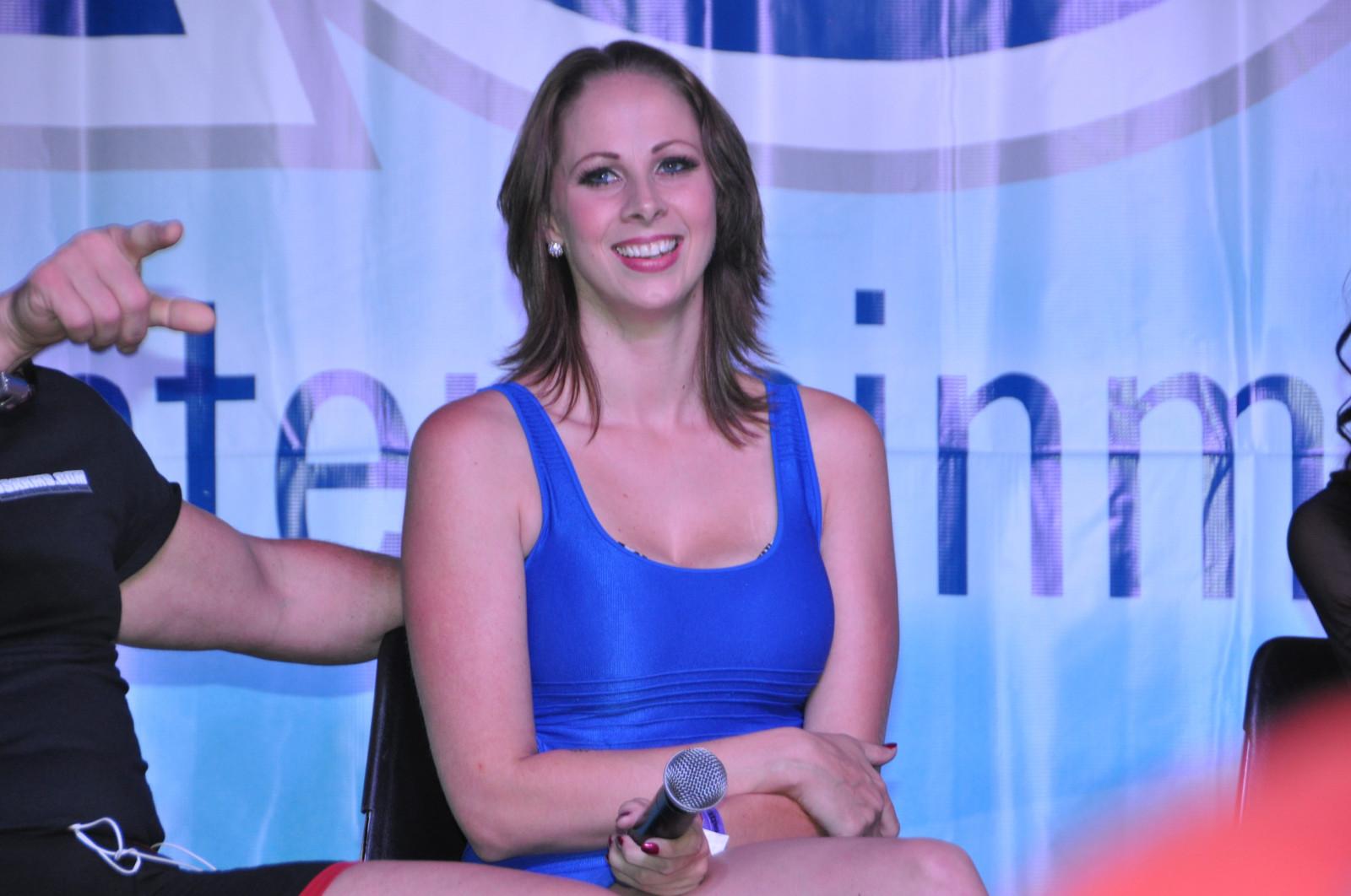 Твиттер gianna michaels, Gianna Michaels порно - HD видео для взрослых 18 фотография