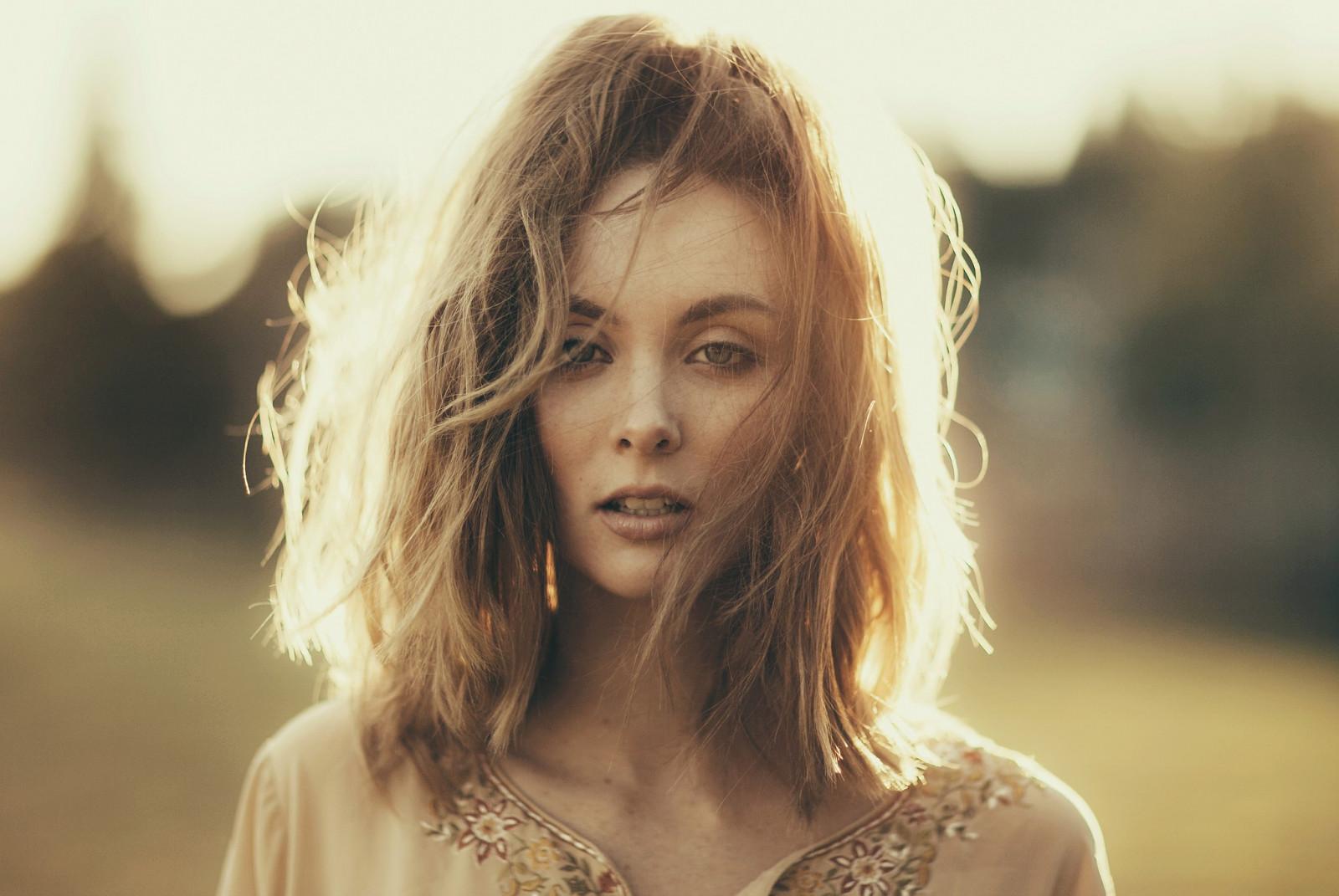 Wallpaper : face, women, model, long hair, blue eyes