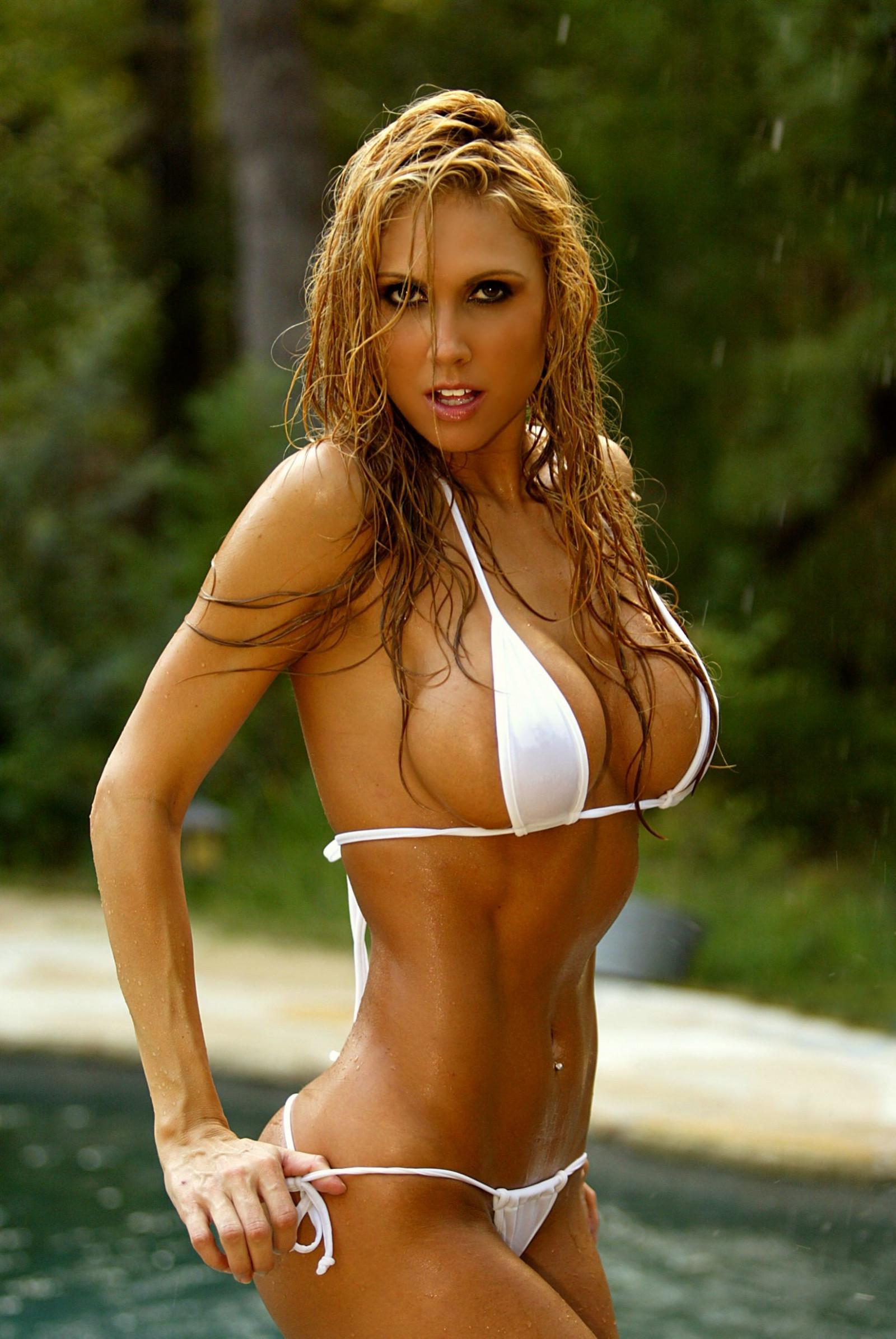 mobile-xxx-hot-nud-fitness-women-bikini-rojas