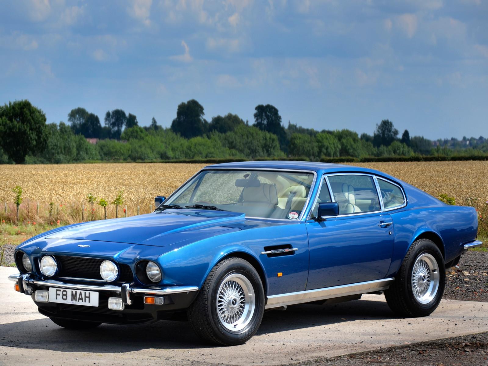 Papel De Parede Aston Martin V8 Saloon 1972 Azul Vista Lateral Carros Natureza 2048x1536 1083367 Papel De Parede Para Pc Wallhere