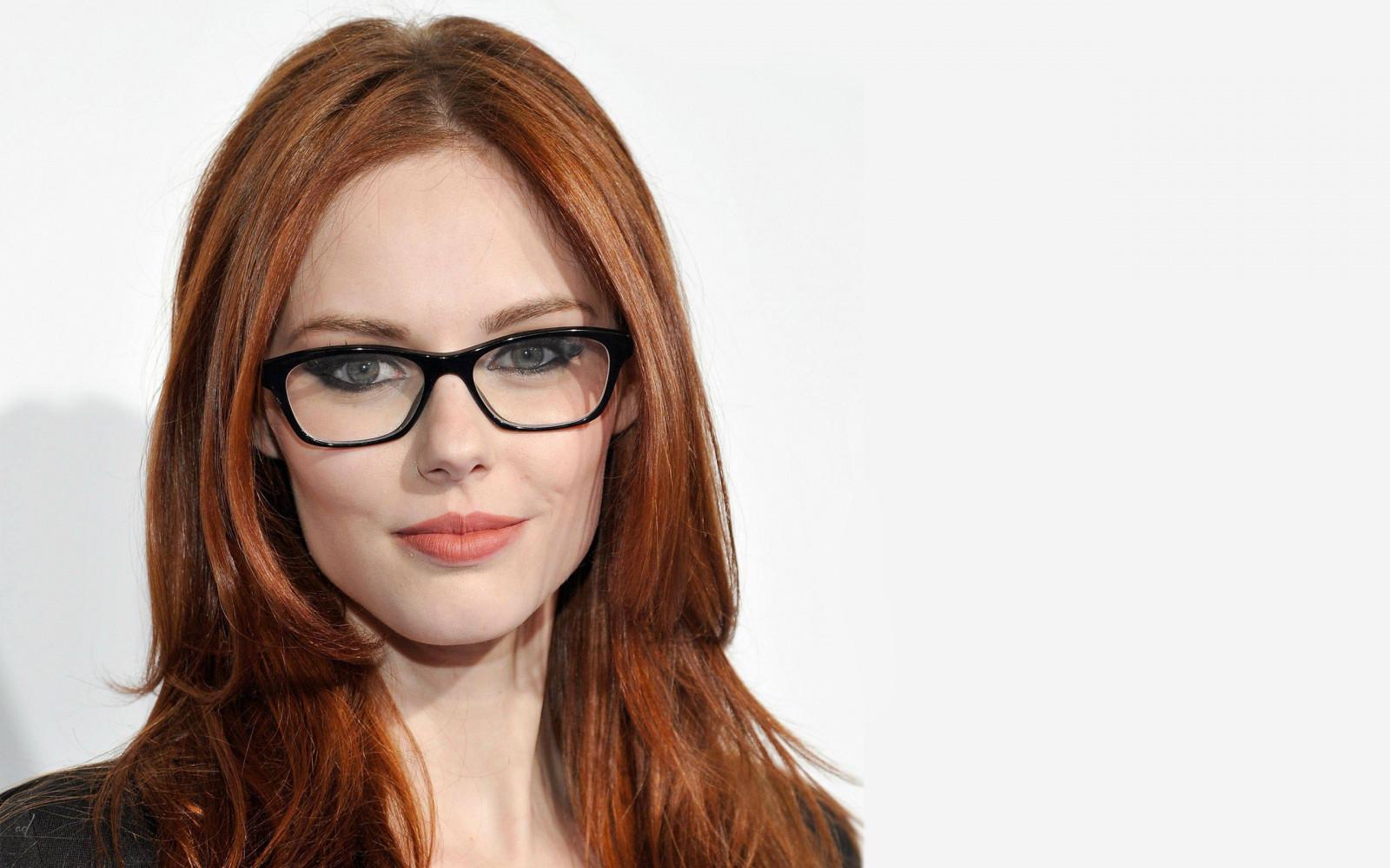 Wallpaper : Face, Women, Redhead, Model, Simple Background