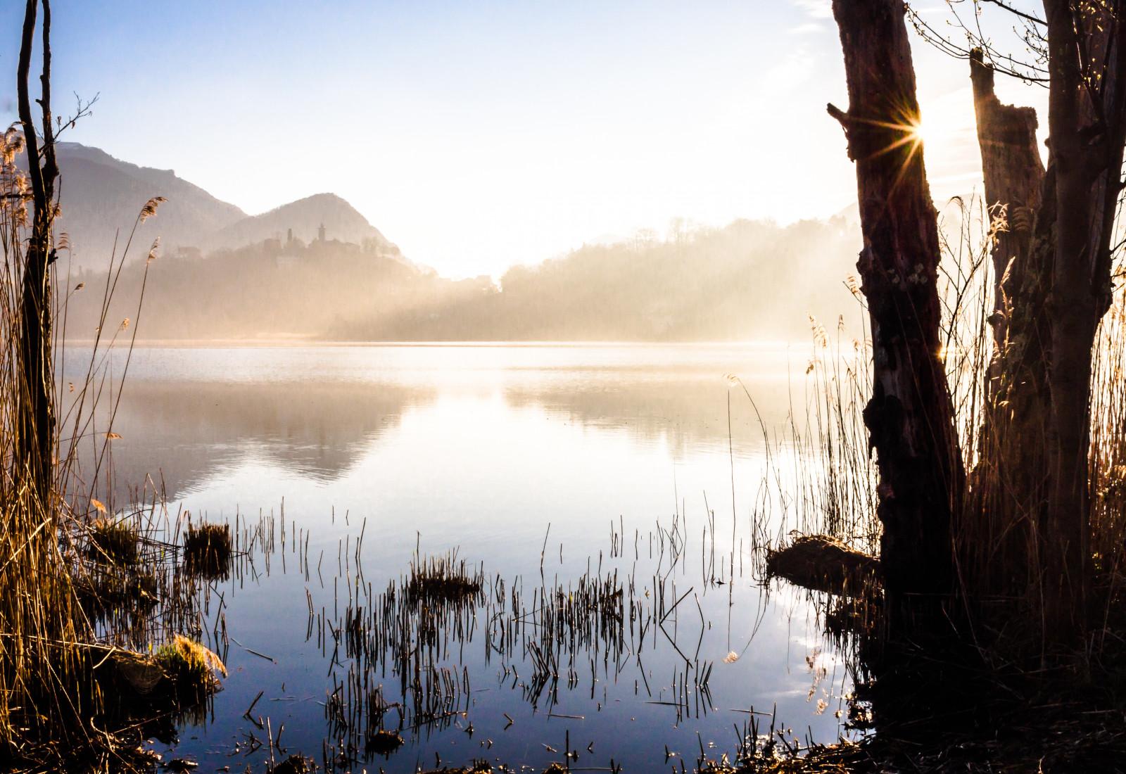 Фото берег озера утро восход