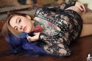 fond ecran fille sexy putas tatuadas